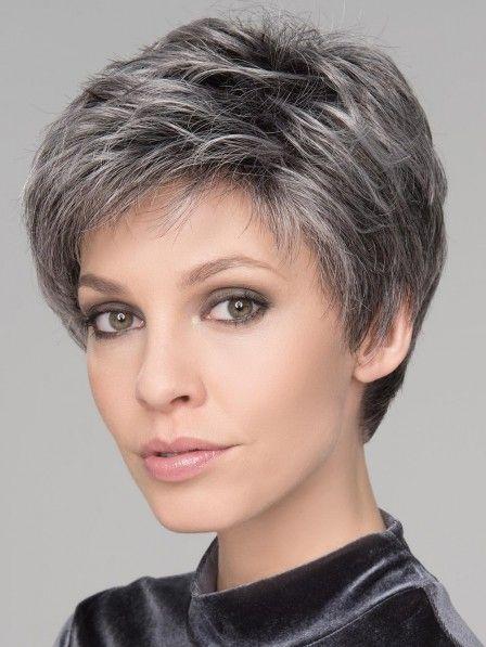 зачіски на коротке волосся для старших жінок