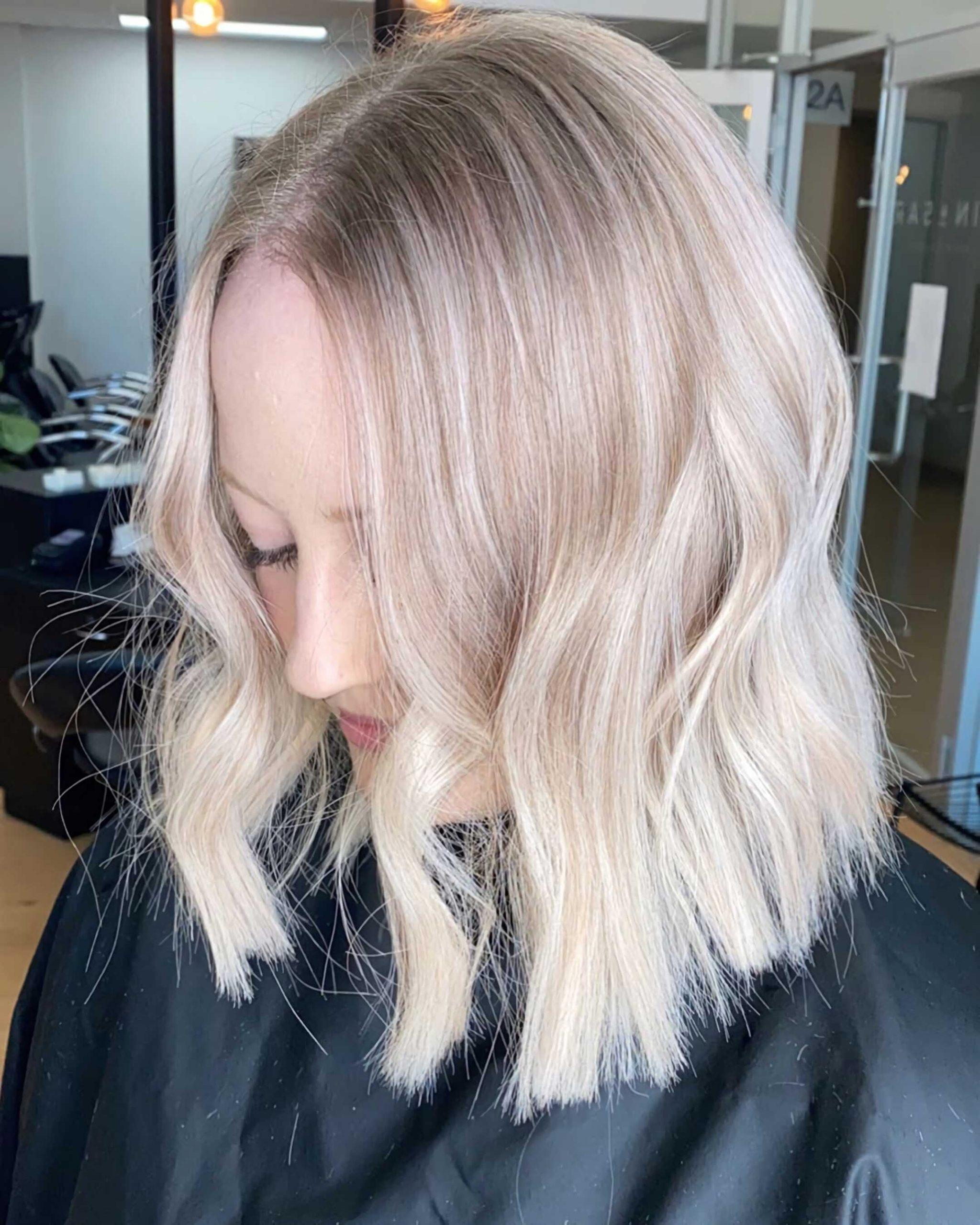 градуированный боб каре на тонкие волосы