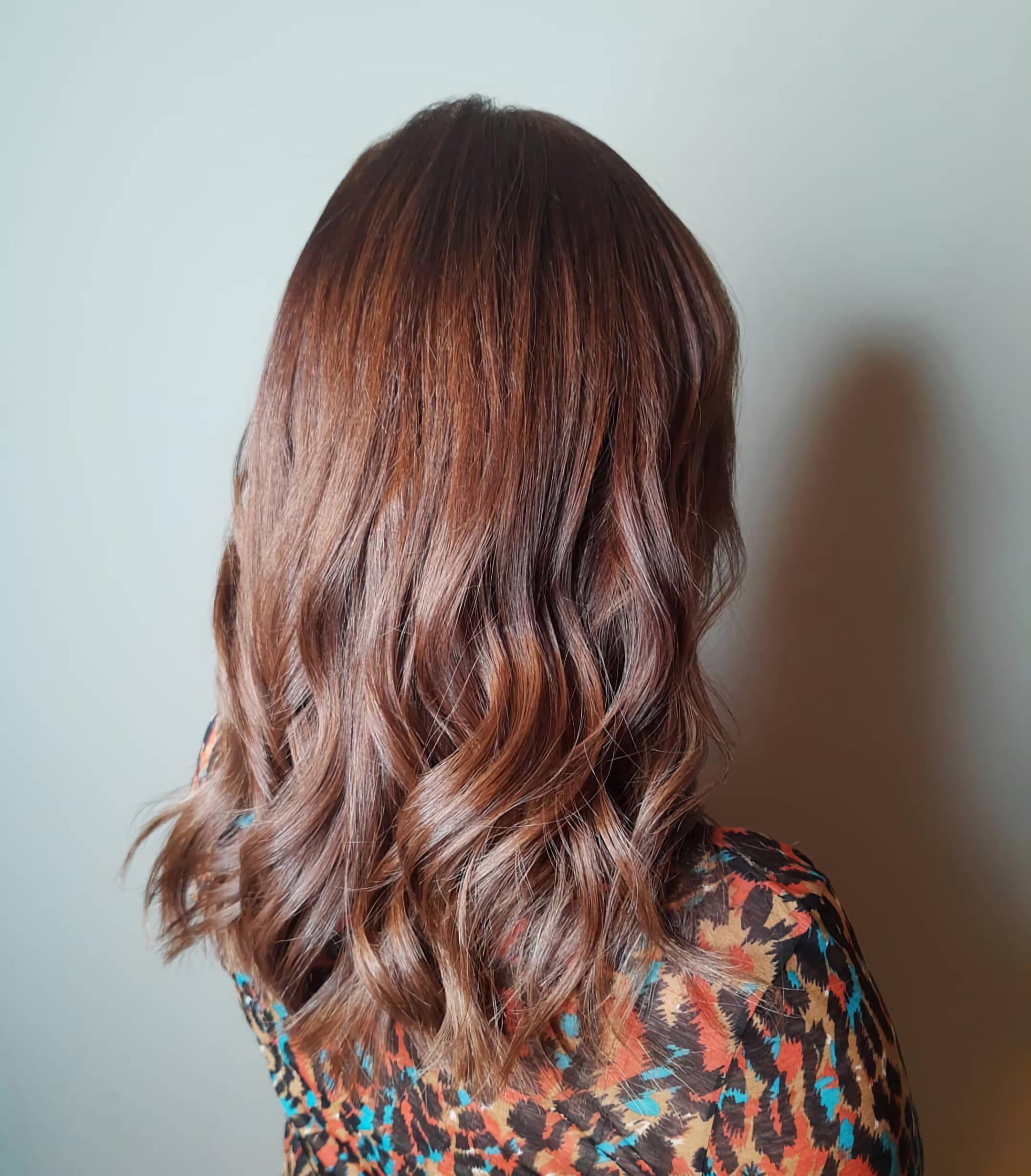 Красно – каштановые волосы