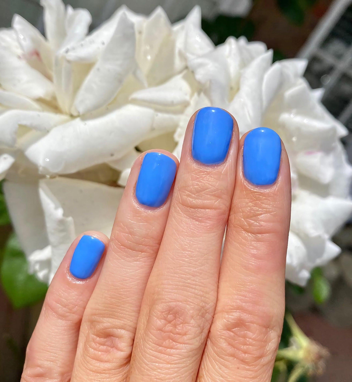 стильные голубые ногти гель лак