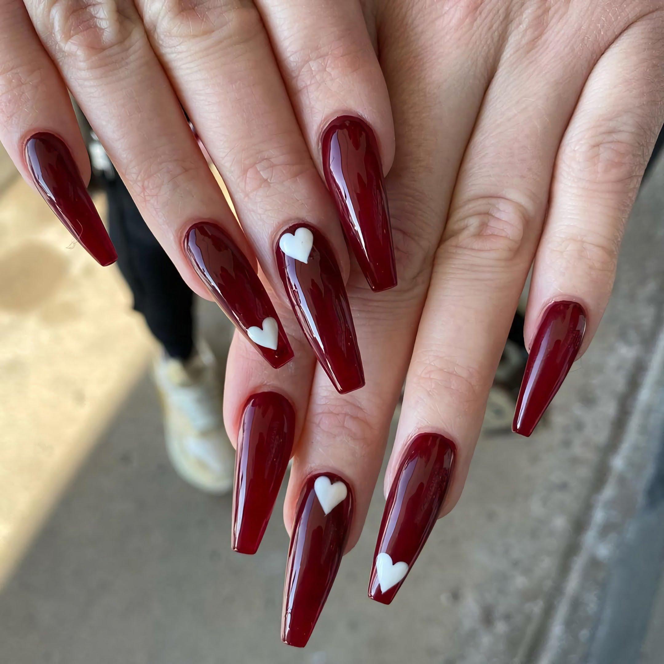 модные бордовые ногти