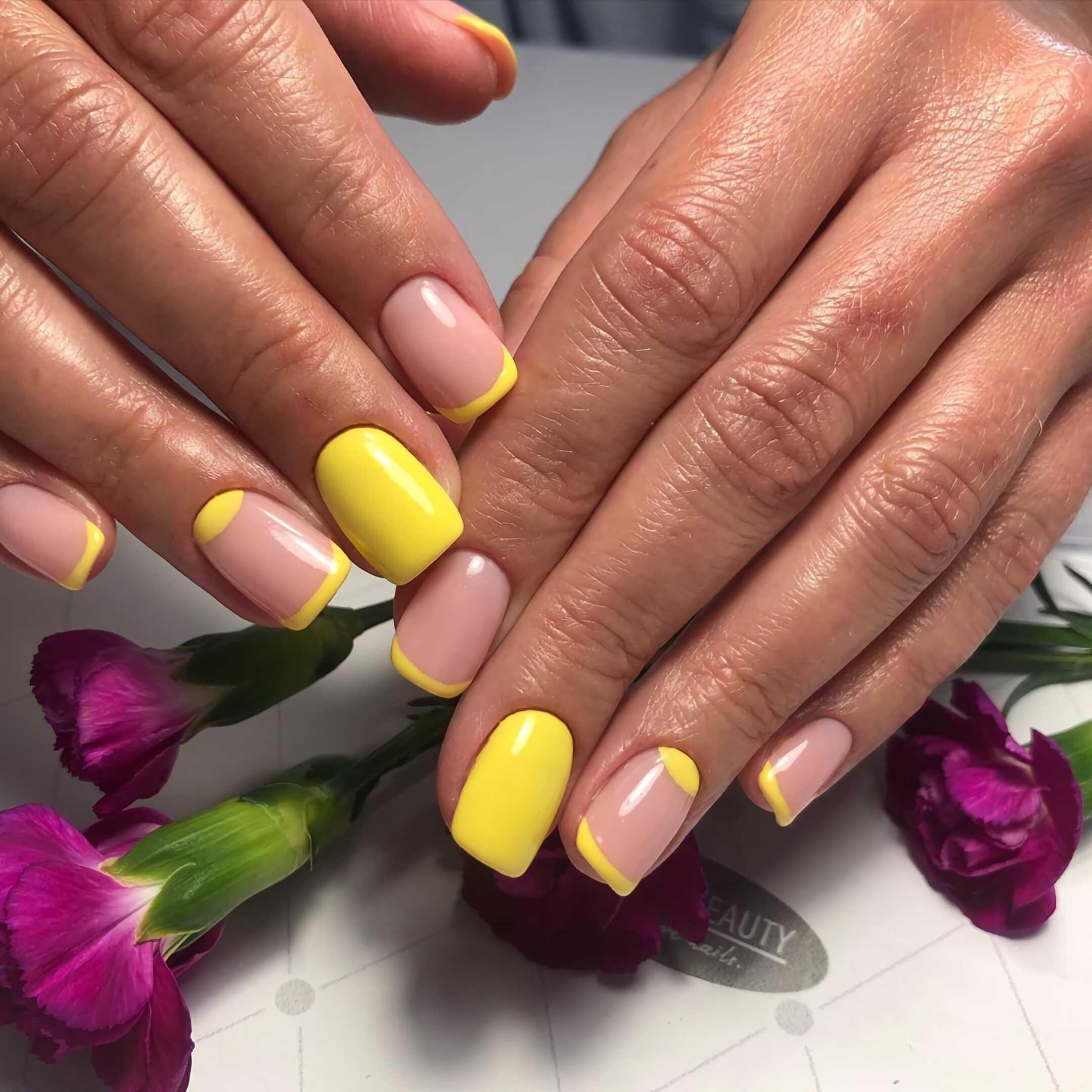 модные желтые ногти