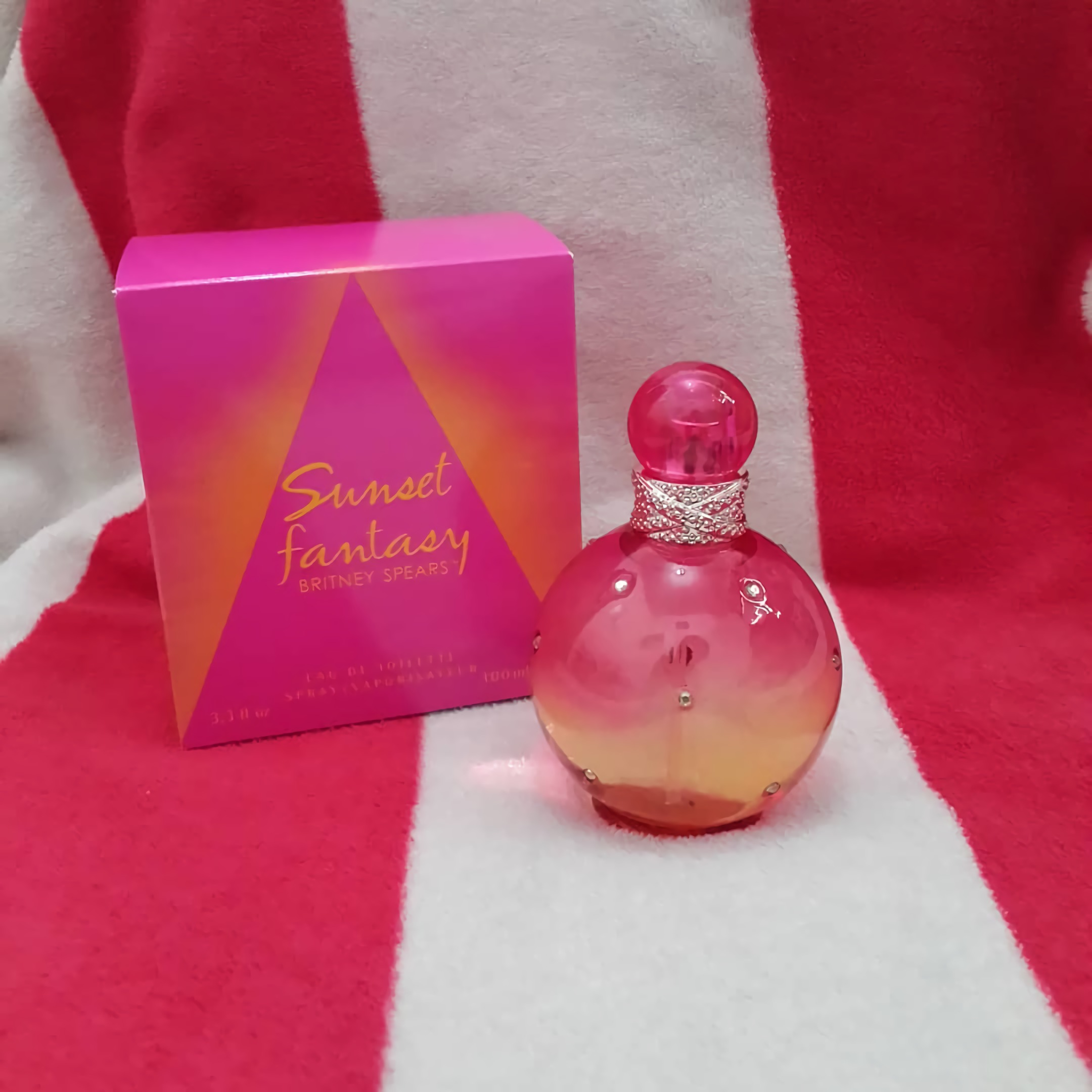 стойкие женские духи Britney Spears Women's Fantasy Eau de Perfum