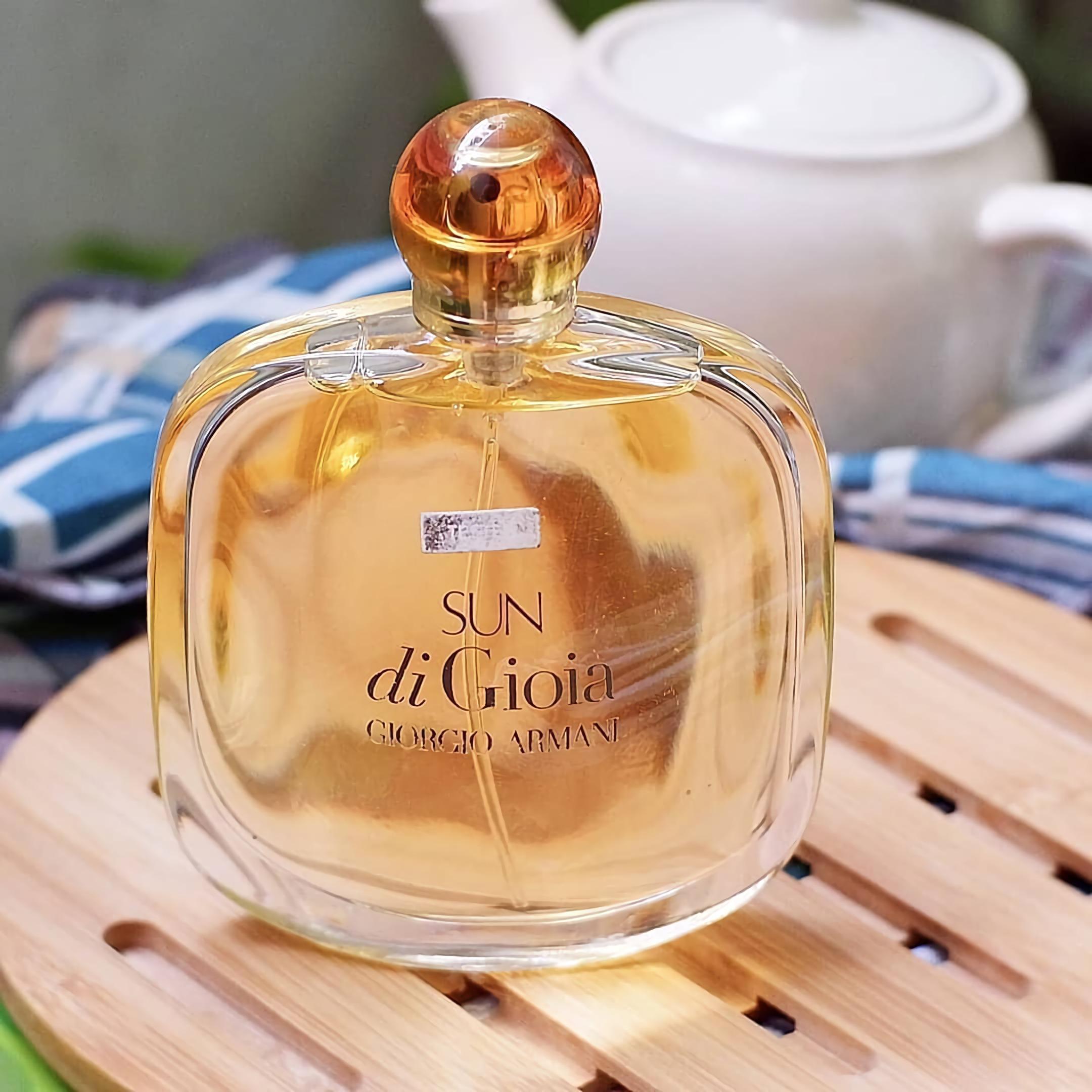 экзотический парфюм Giorgio Armani Sun Di Gioia
