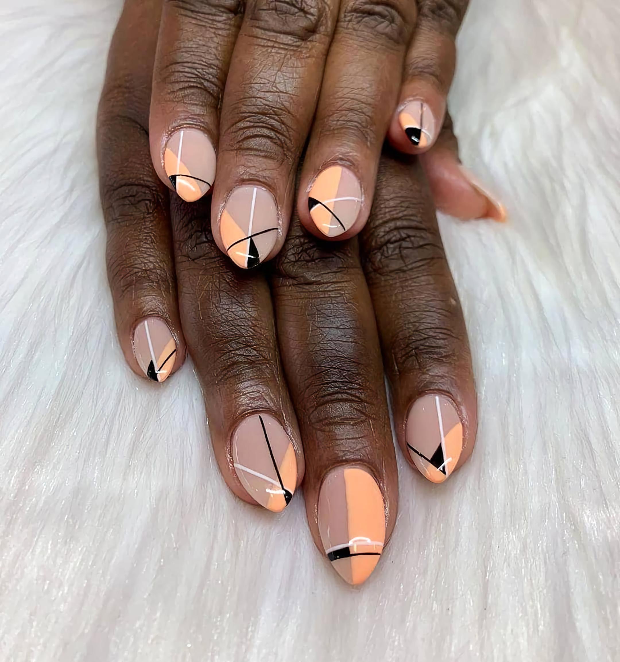 Абстрактные оранжевые ногти