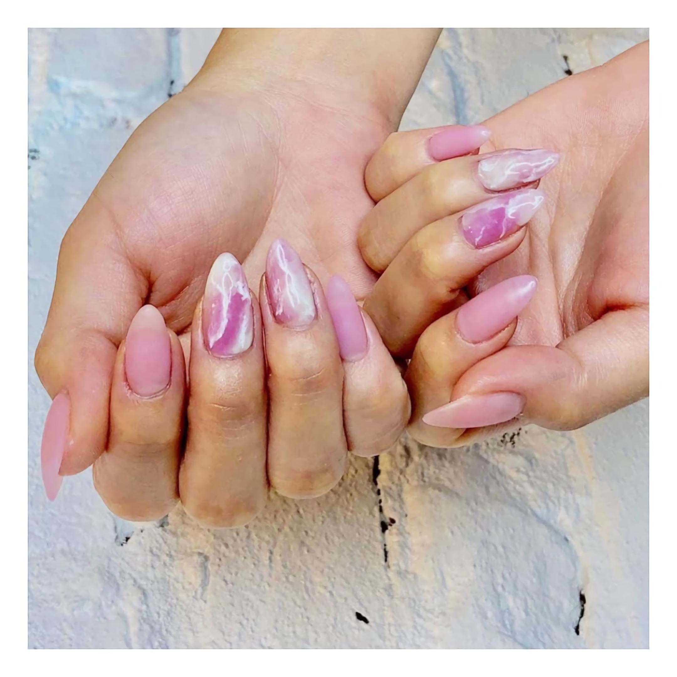 Акриловые Ногти с Розовым Кварцем