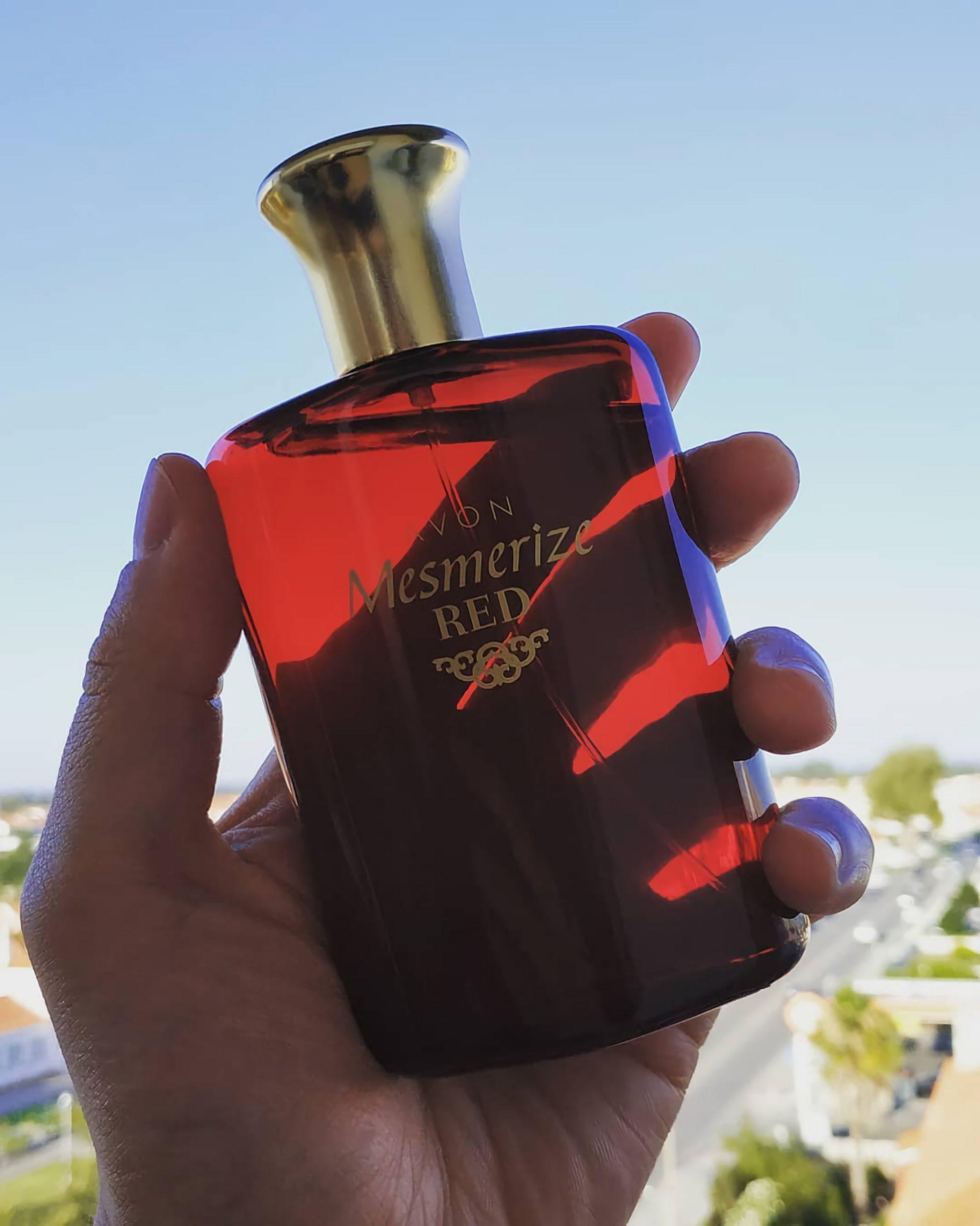 женские духи с соблазнительным ароматом Avon Mesmerize Red For Her