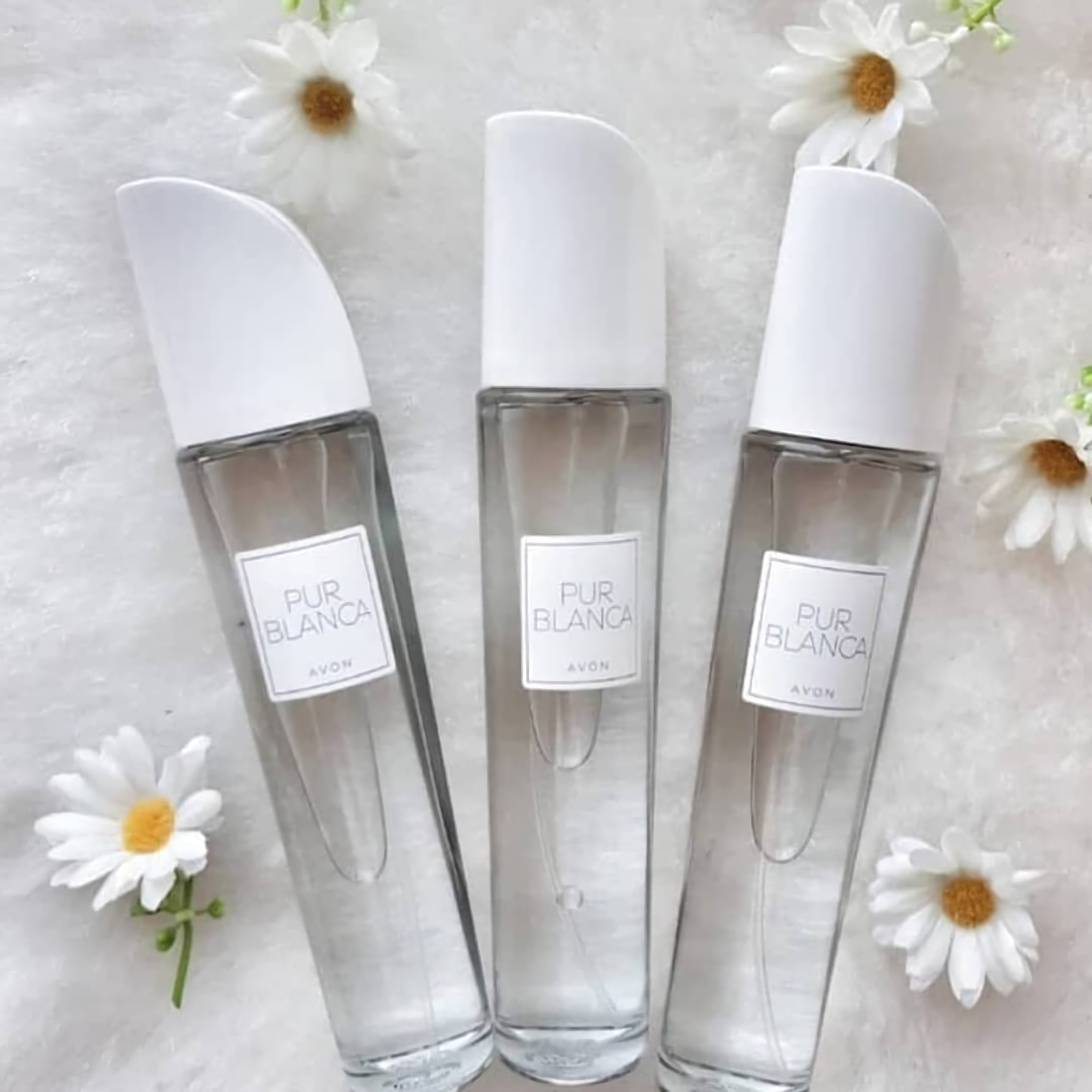 духи для современных женщин Avon Pur Blanca
