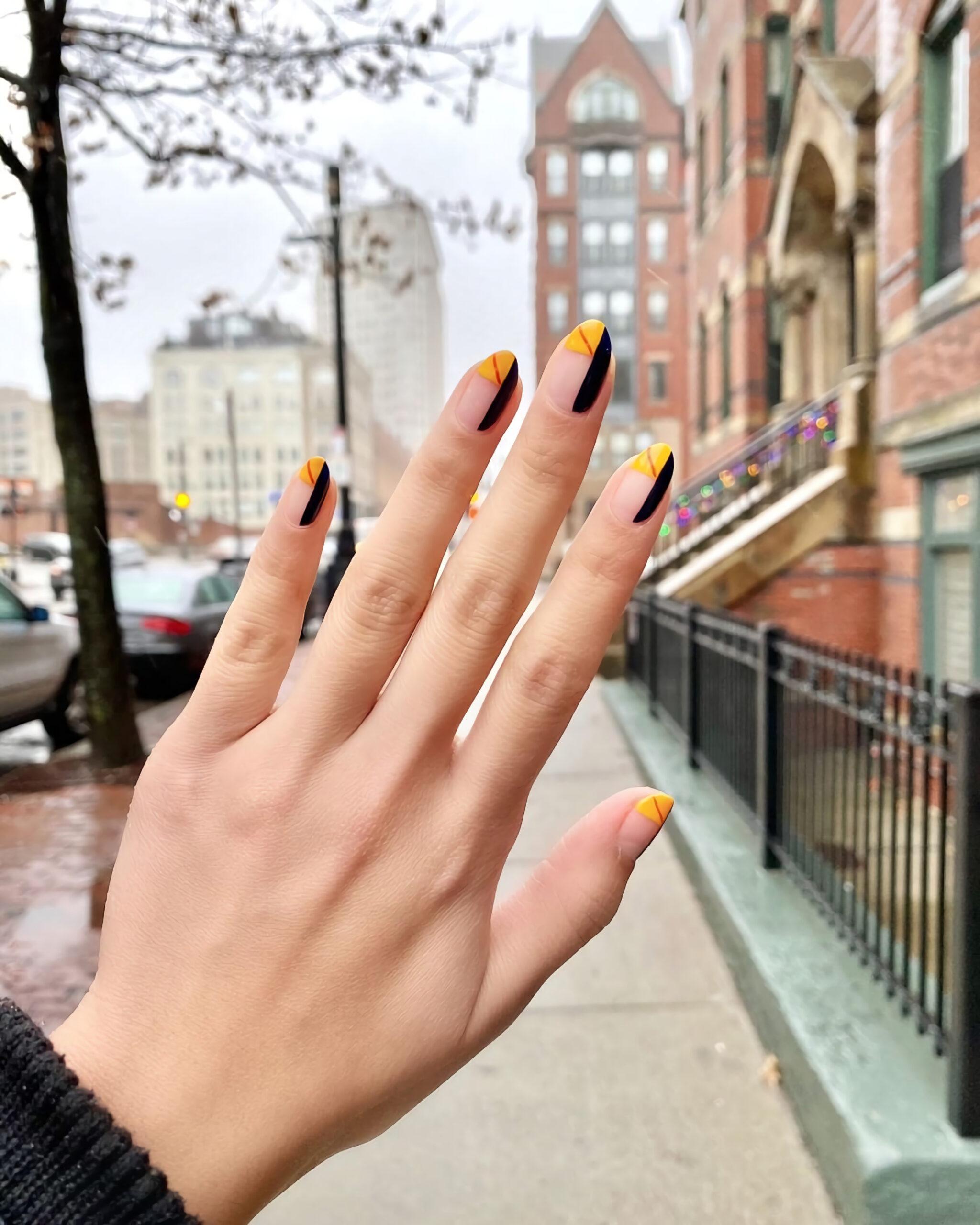 Стильные оранжевые ногти