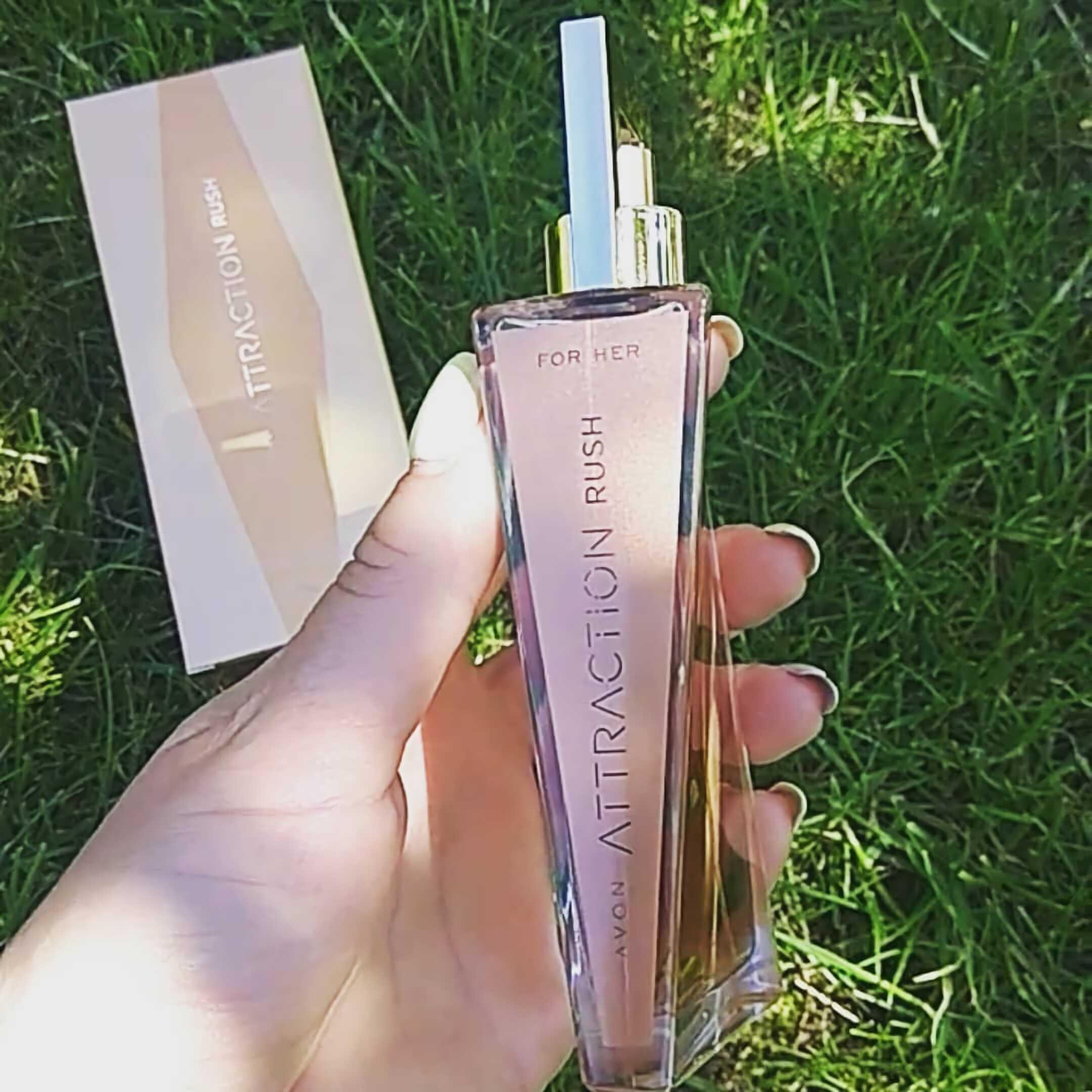 парфюм для девушек с тропическим запахом Avon Attraction Rush for Her