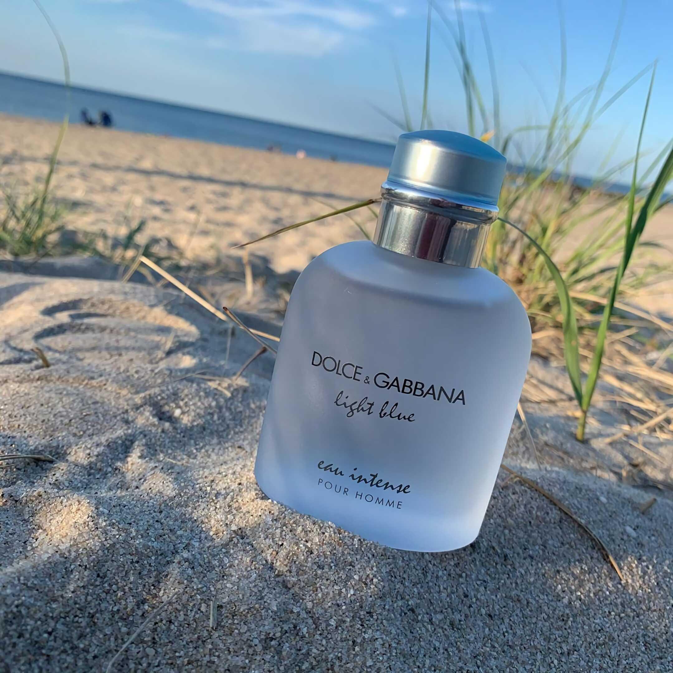 мужские духи с пряным и свежим запахом Dolce & Gabbana Light Blue