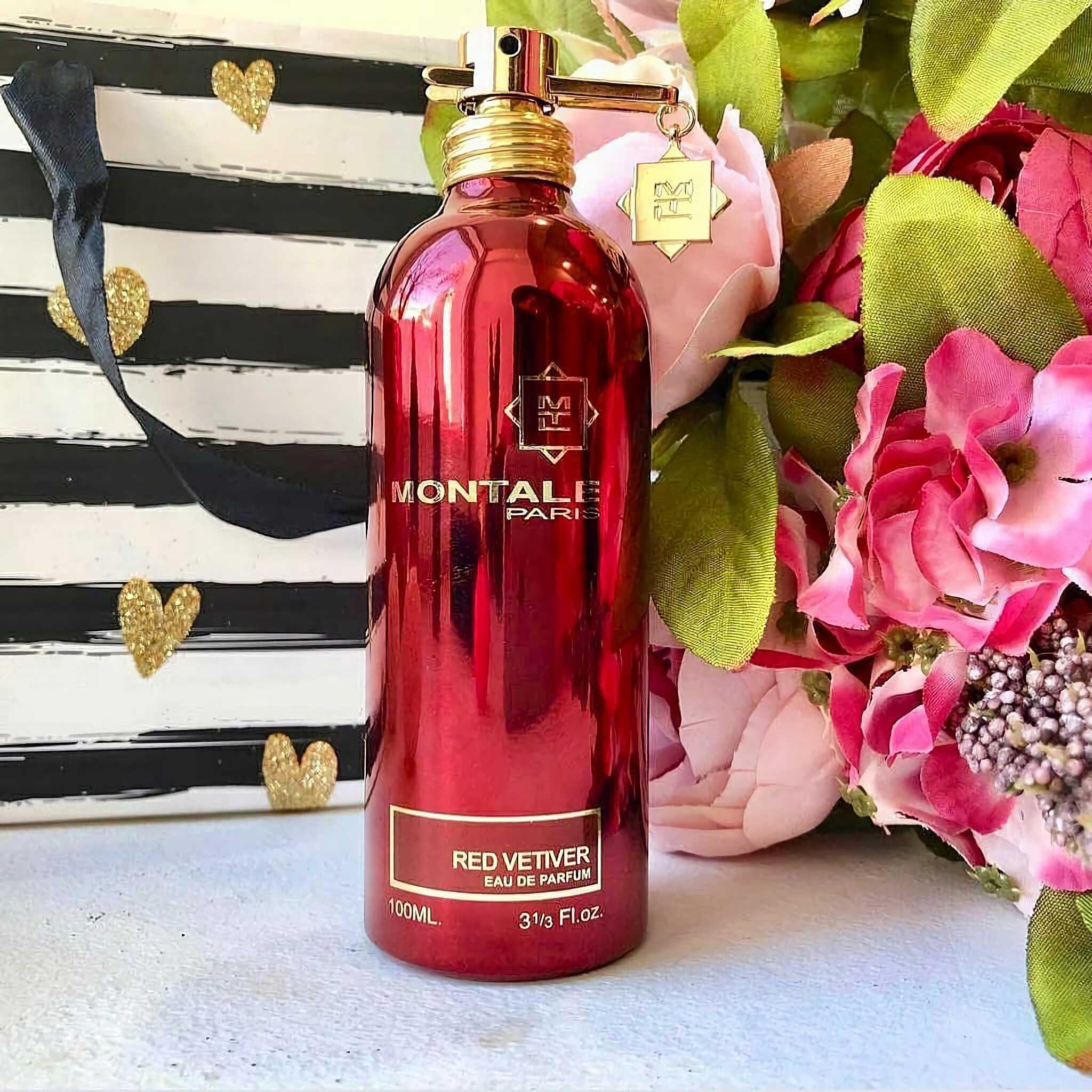 новая парфюмерная вода с древесным запахом Montale Red Vetyver