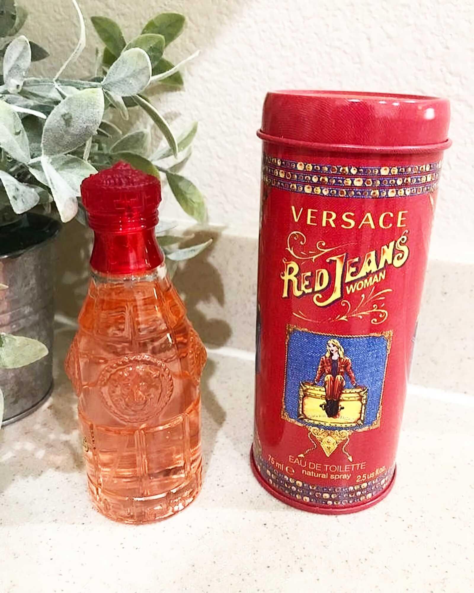 сладкие женские духи Versace Red Jeans