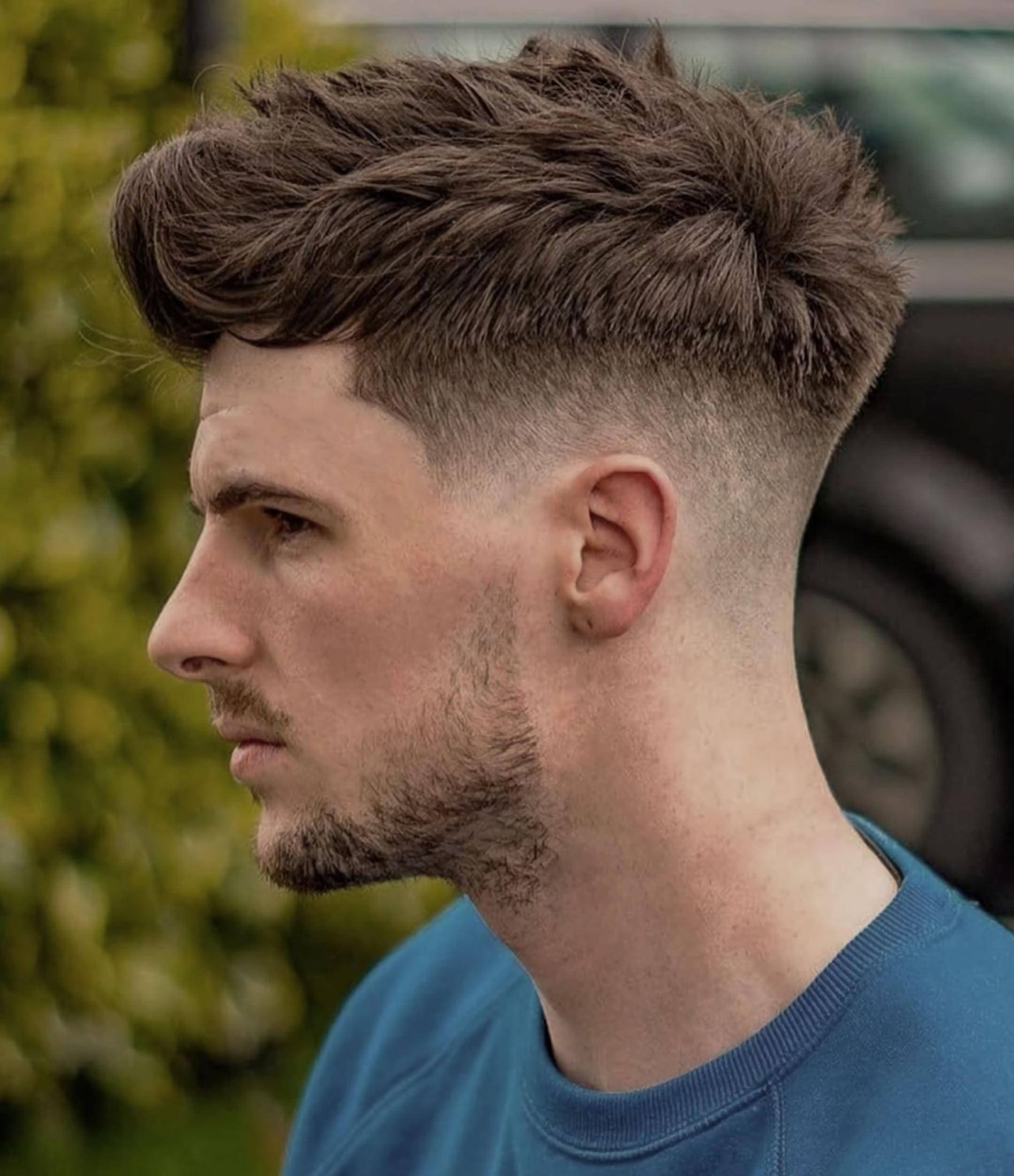 Волнистая стрижка волос