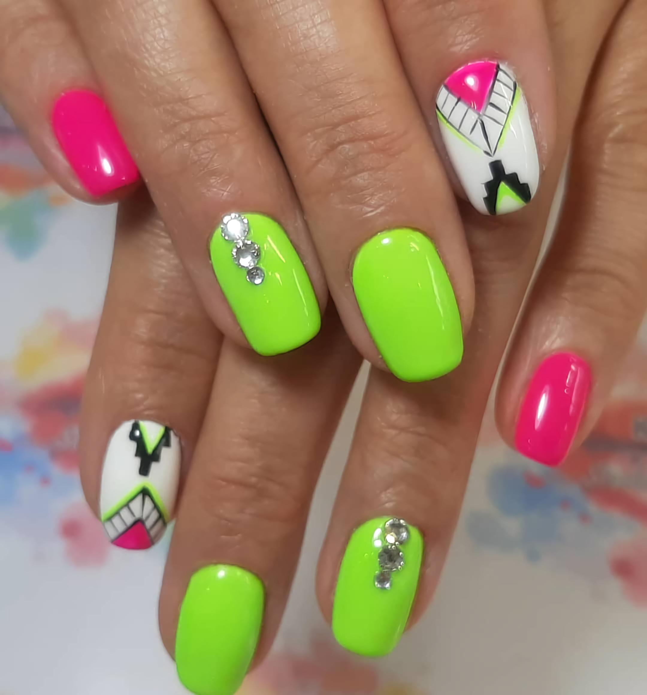 короткие ногти в стиле ацтеков