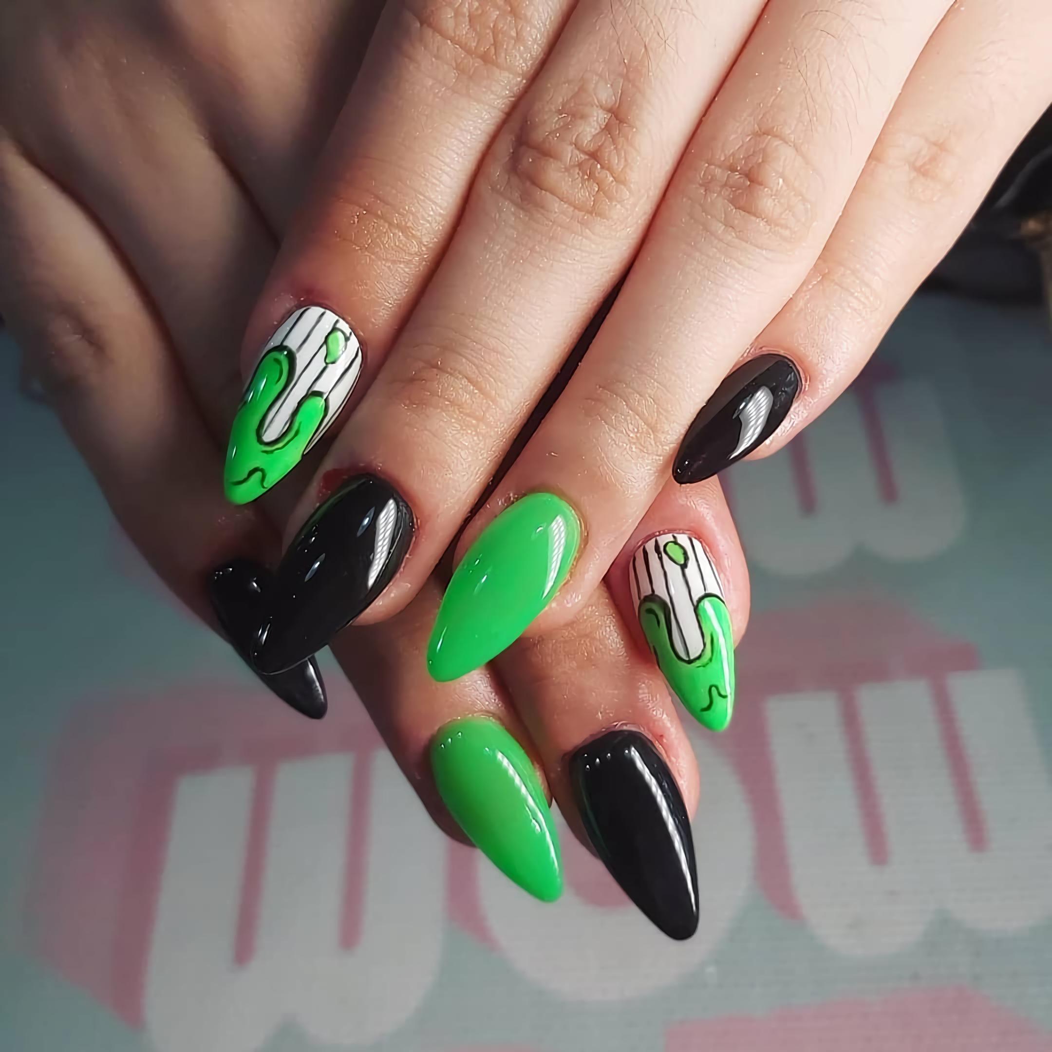 веселые короткие ногти