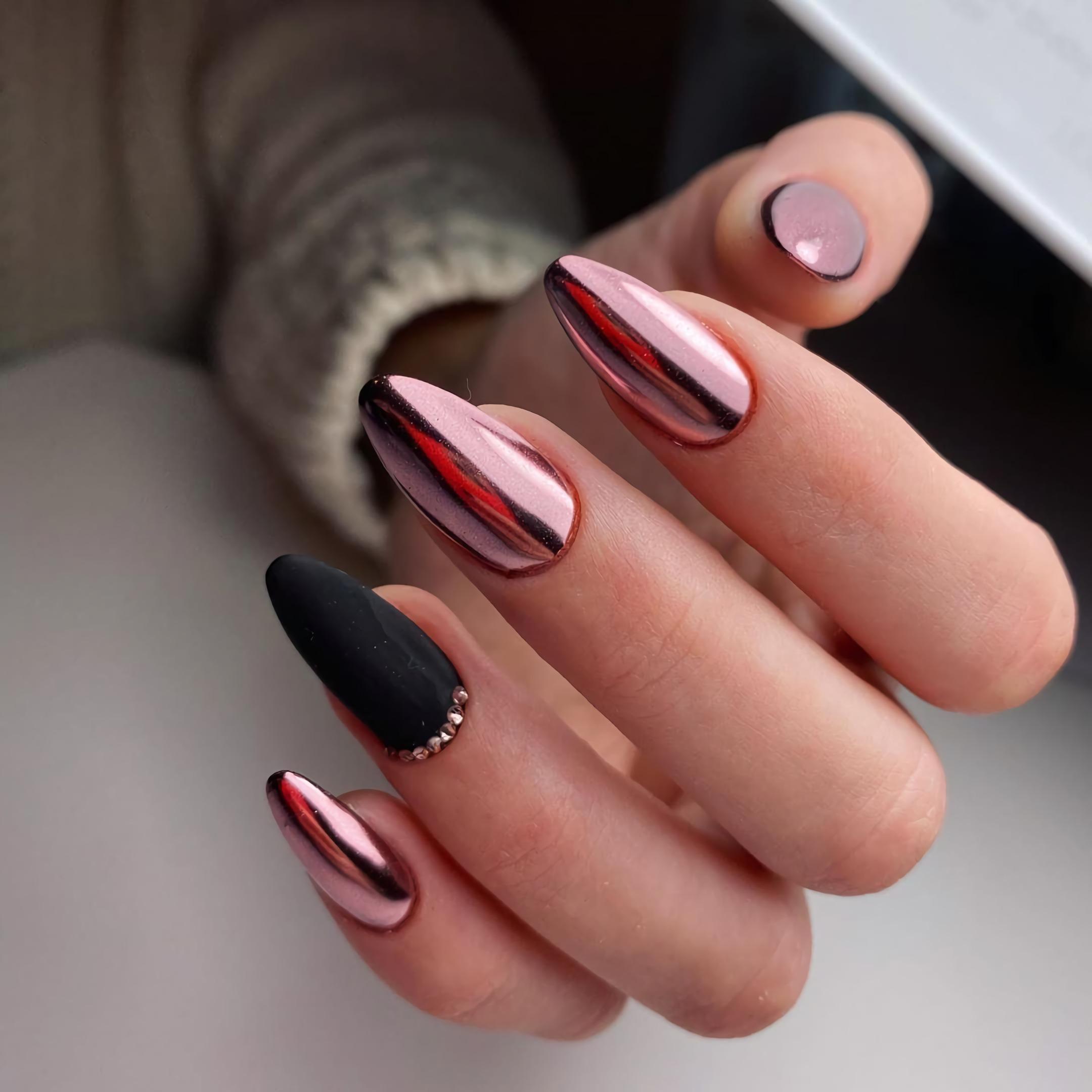 стильный металлический маникюр на кроткие ногти