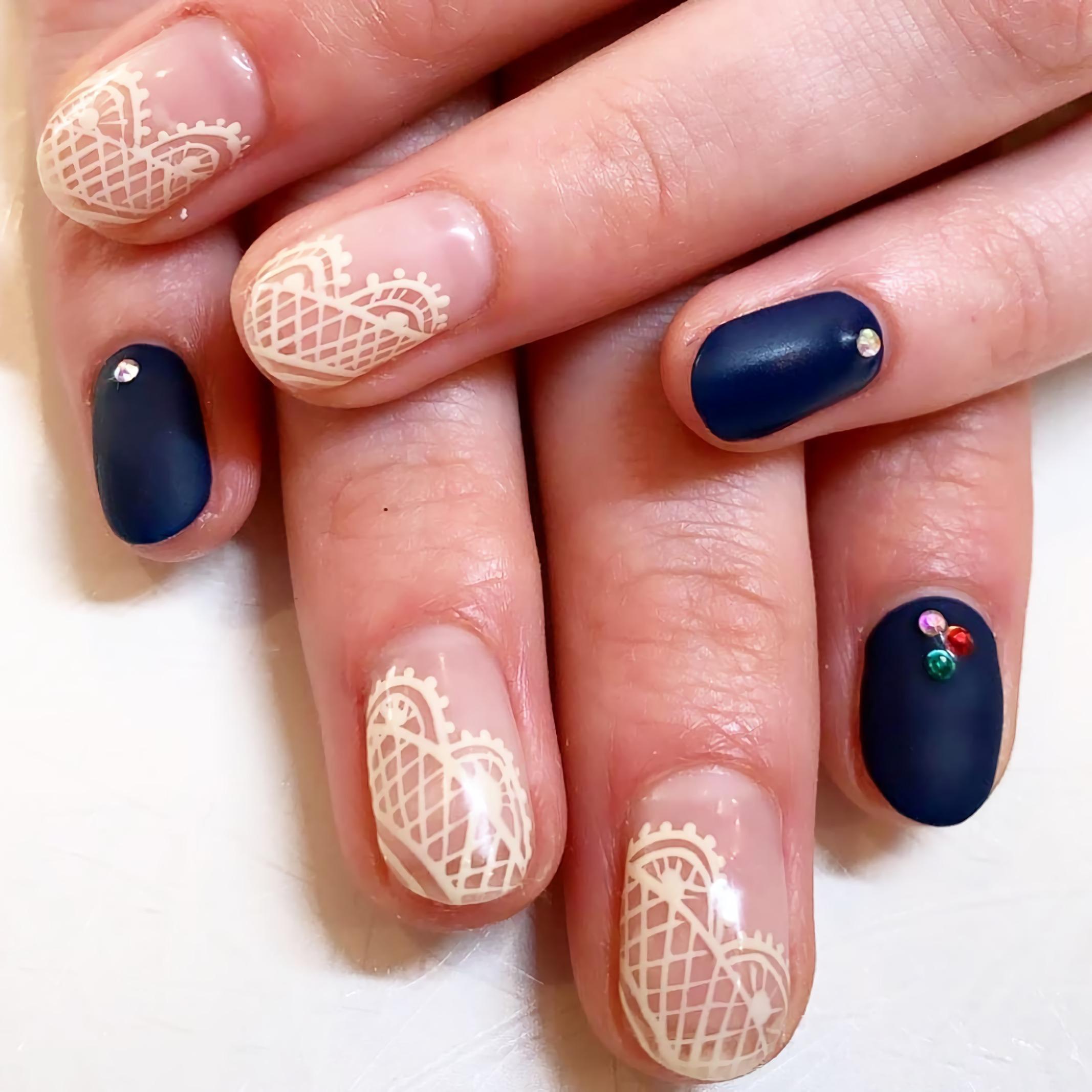 стильные кружевные ногти