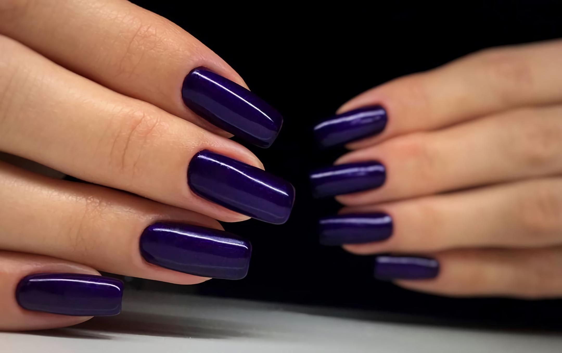 фиолетовые металлические ногти