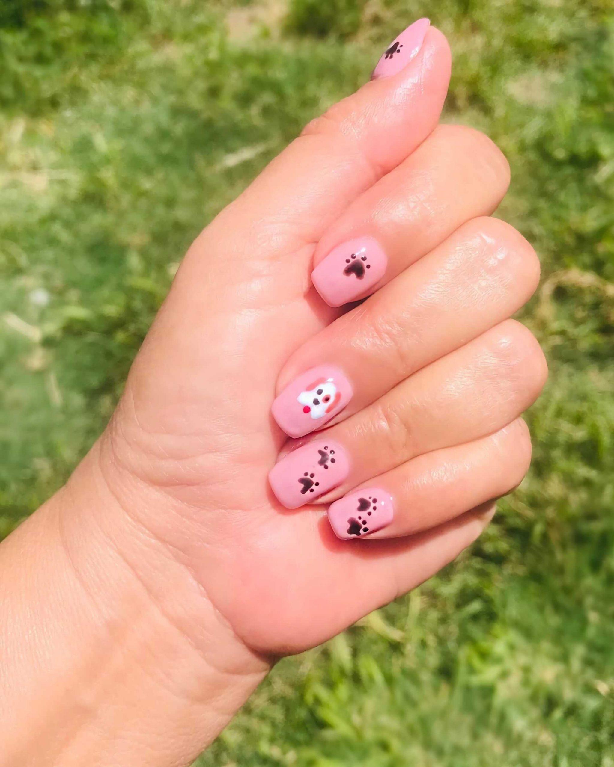 короткие ногти с отпечатком лап животных