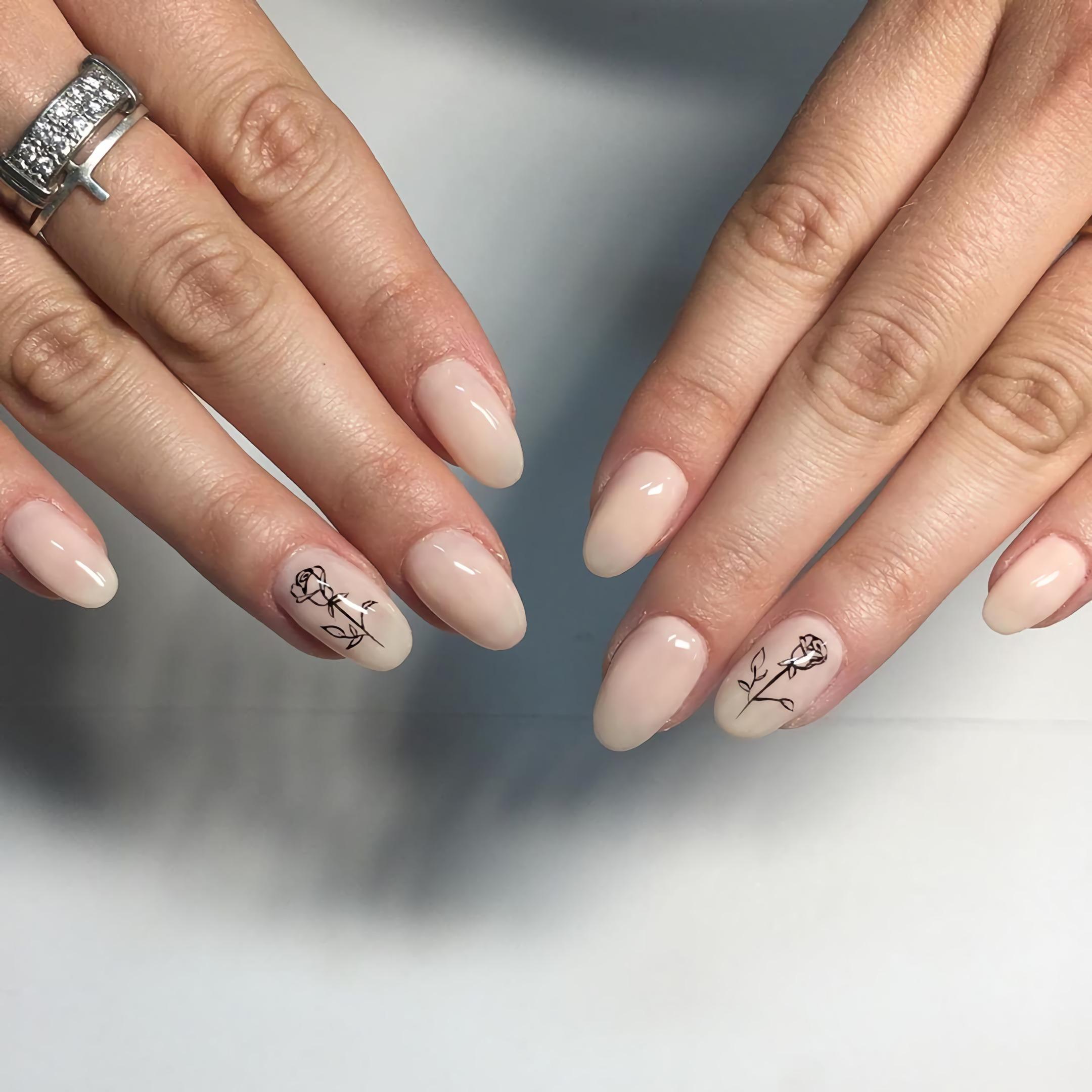 персиковые ногти с цветами