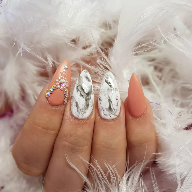 жемчужные ногти