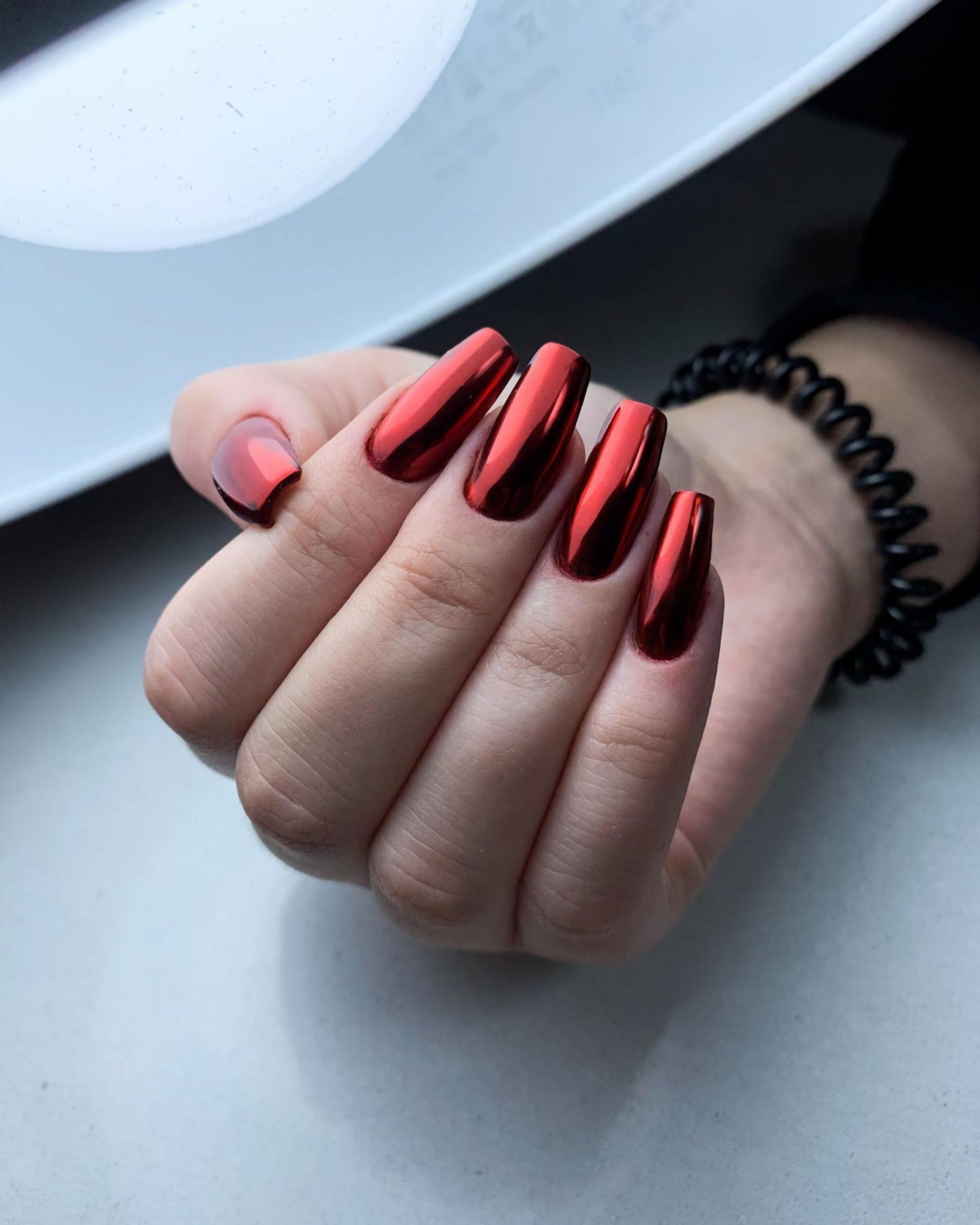короткие металлические ногти