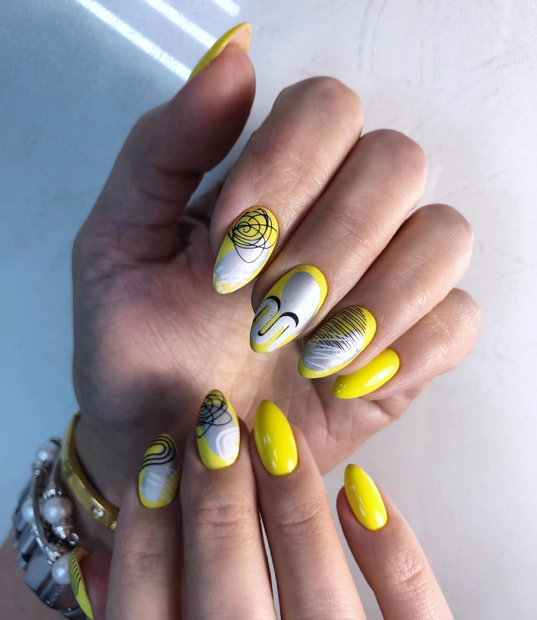 солнечные короткие ногти