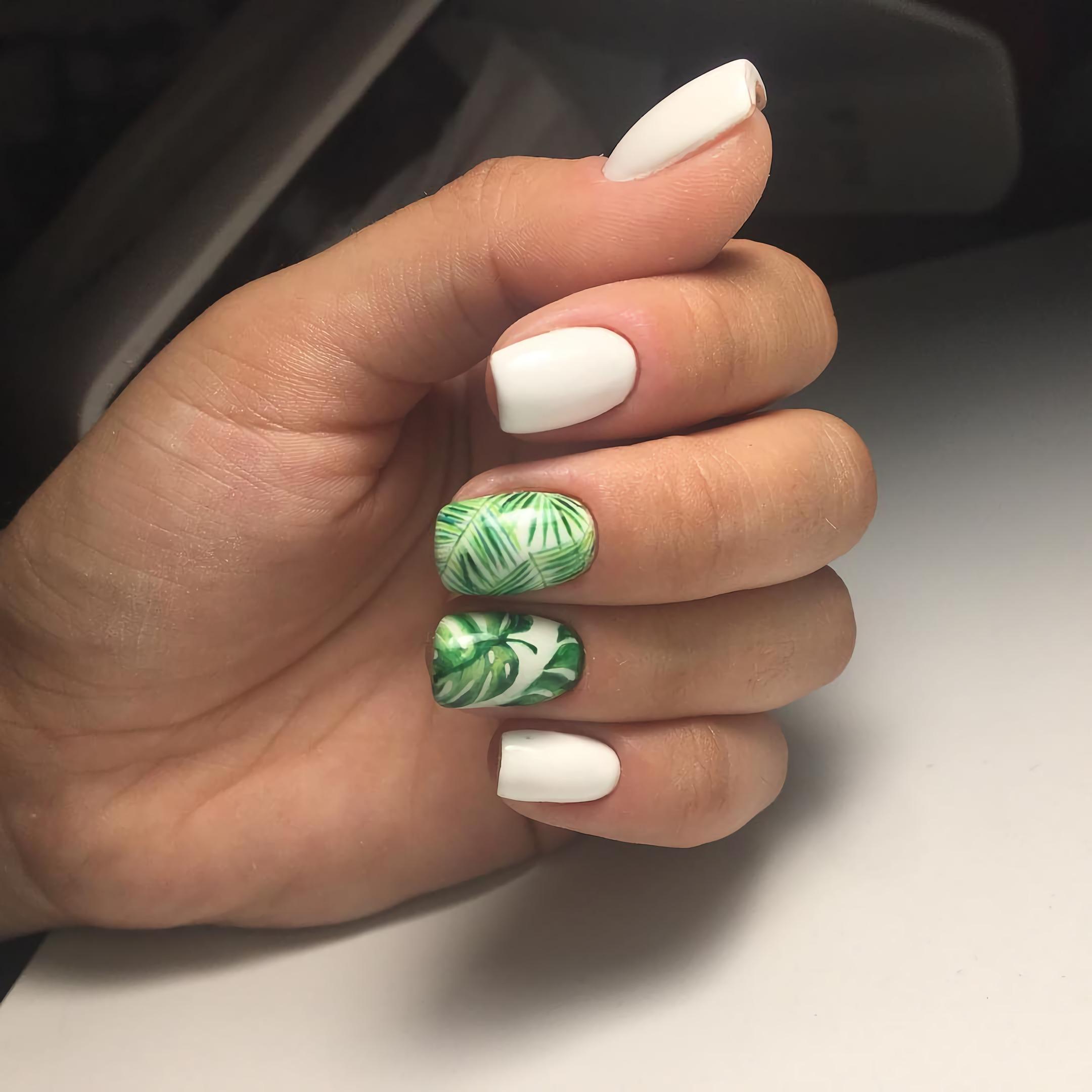 короткие тропические ногти