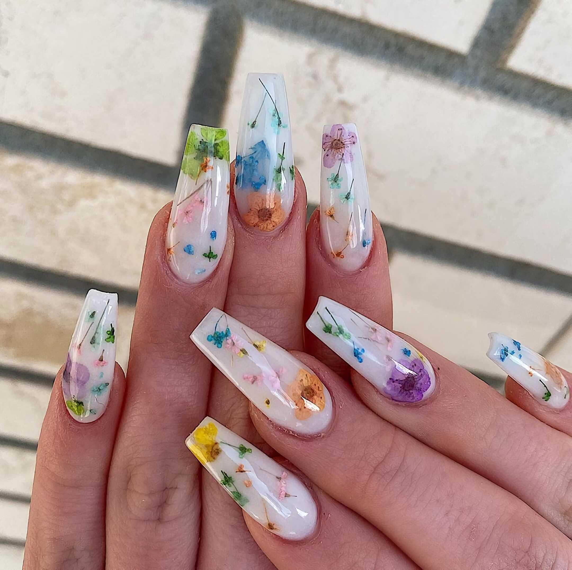 цветочные ногти в форме балерины