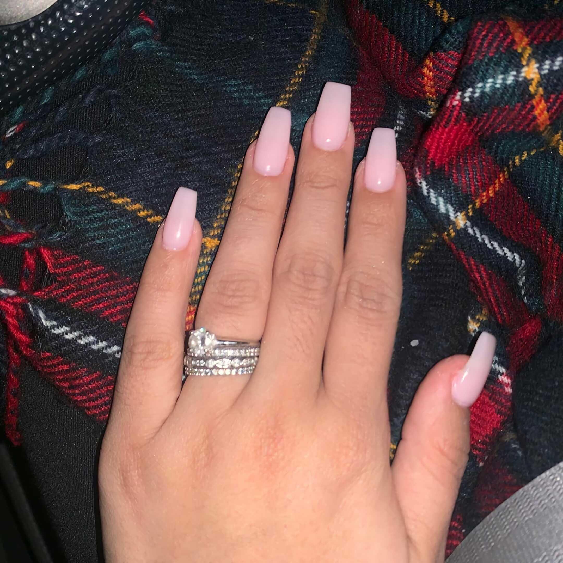 розовые овально-квадратные ногти