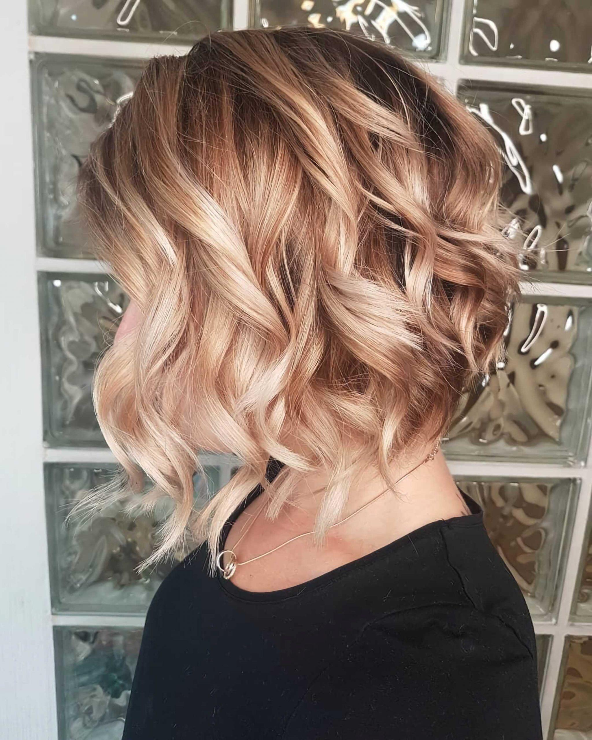 красивая стрижка для средних волос