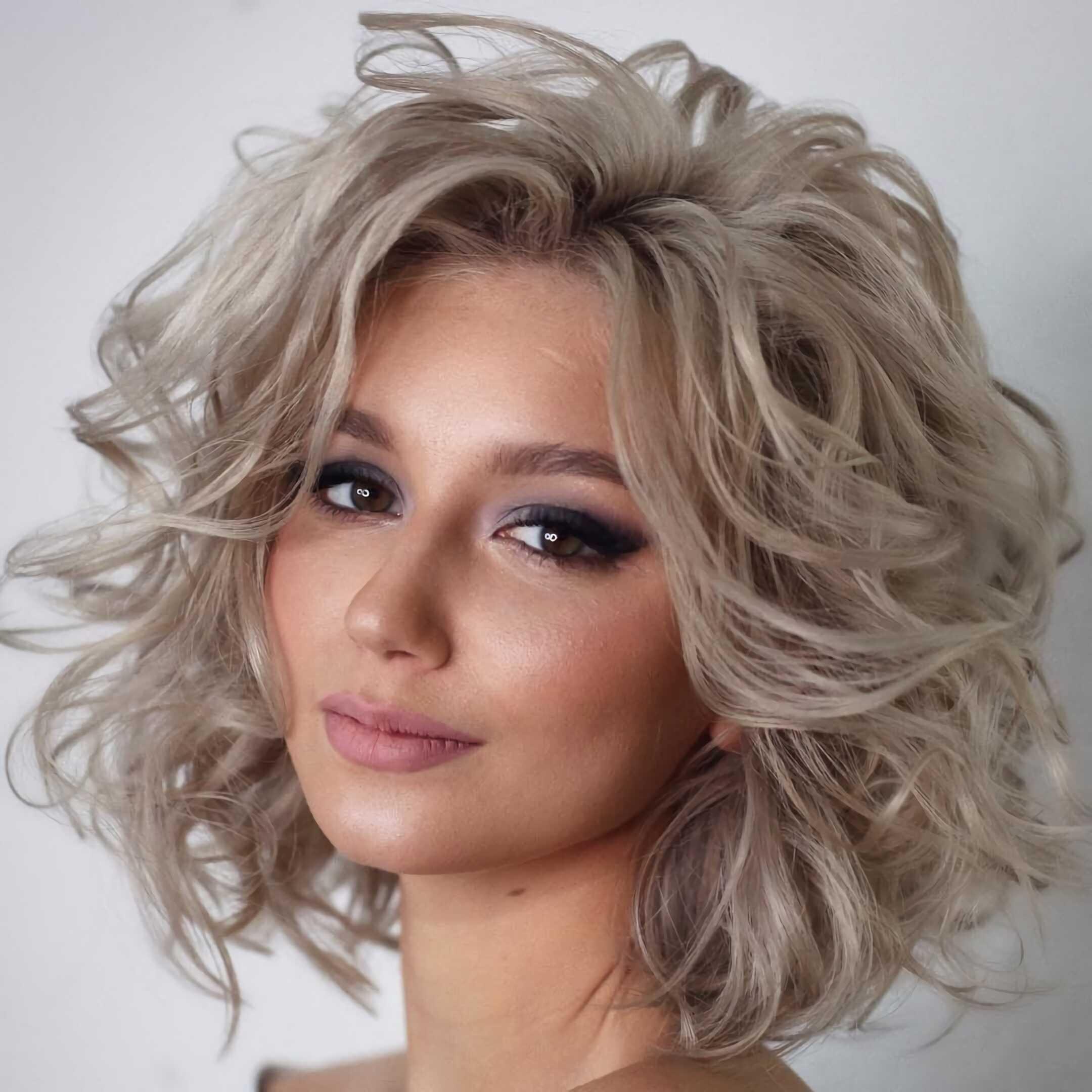 кудрявый боб каре на средние волосы
