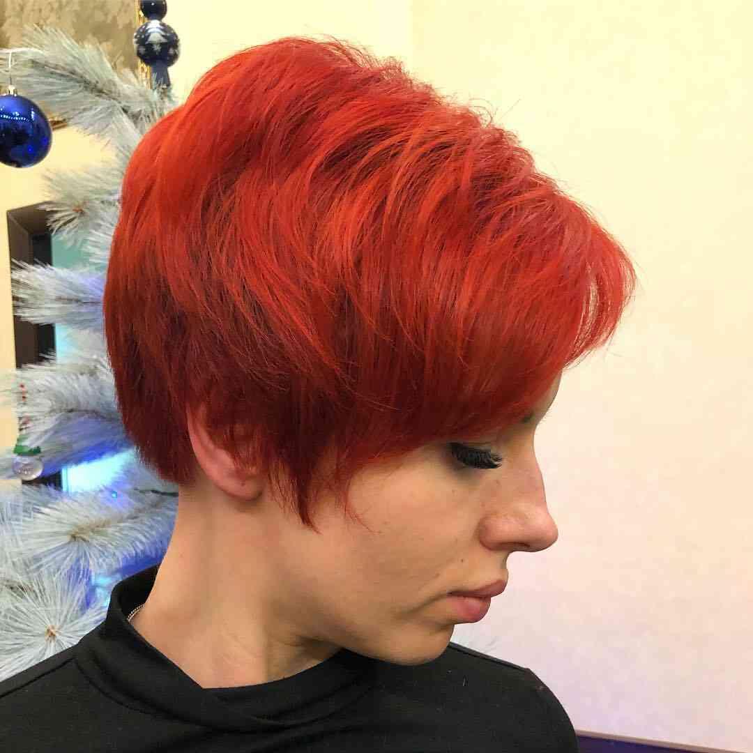 жіноча зачіска гарсон