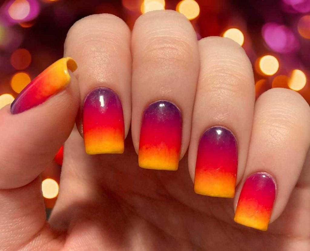 градиентные французские ногти