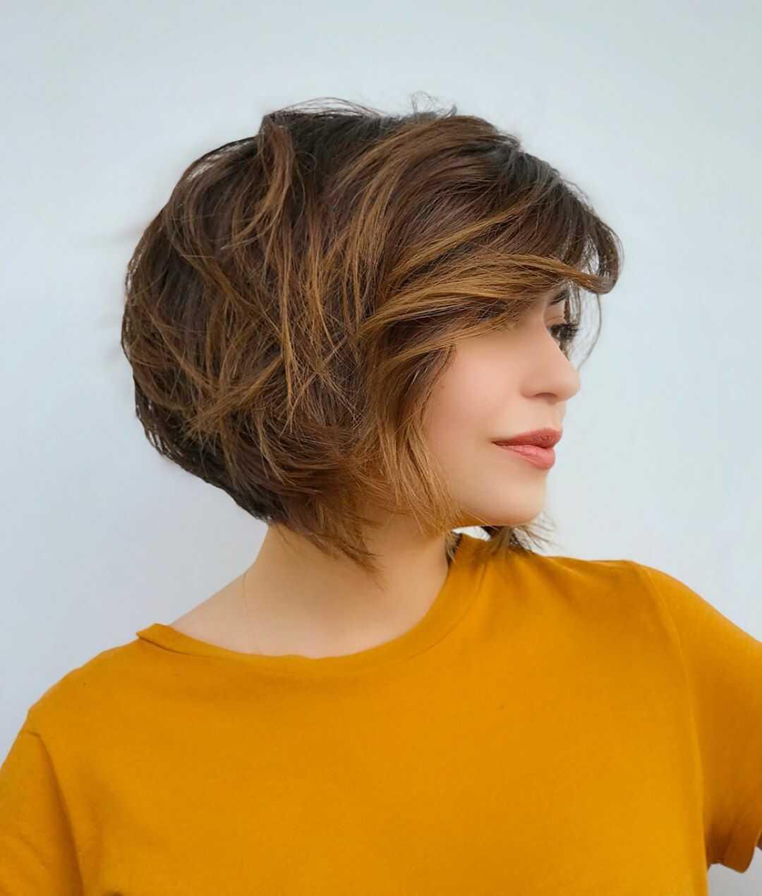 слоистое каре для коротких волос