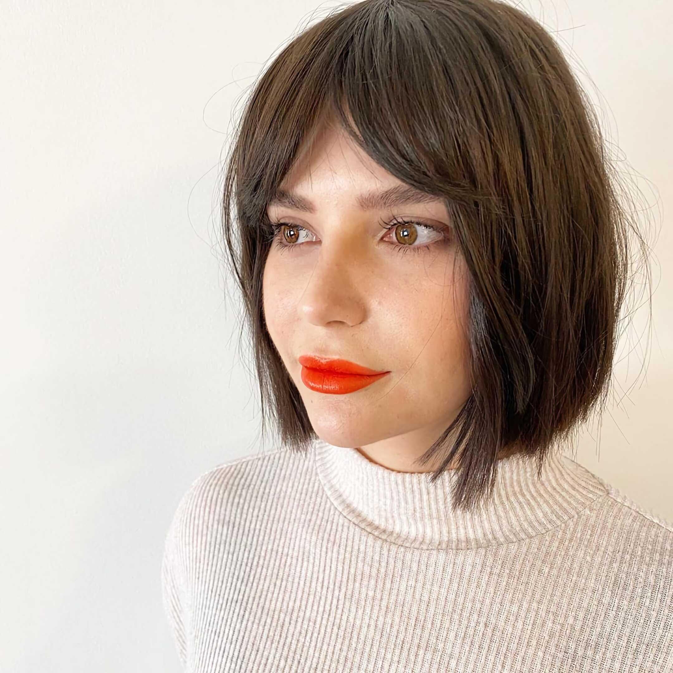 средние волосы с челкой