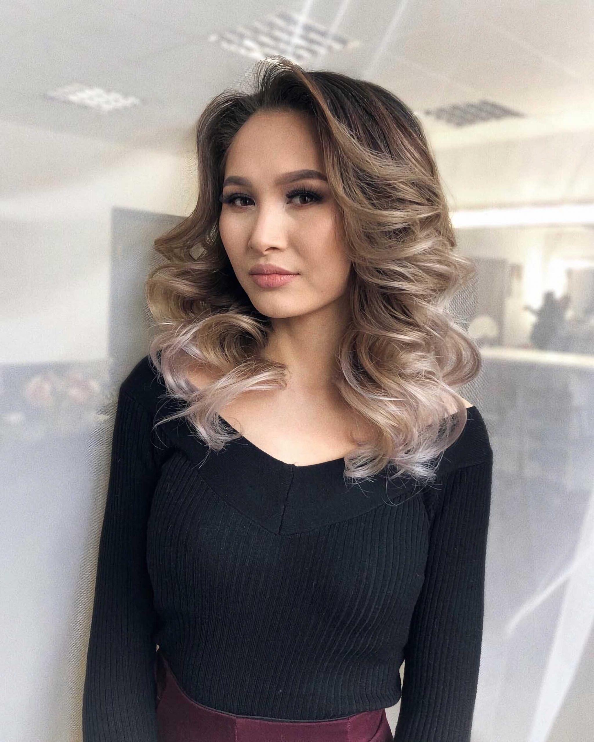 красивая прическа лесенка на средние волосы