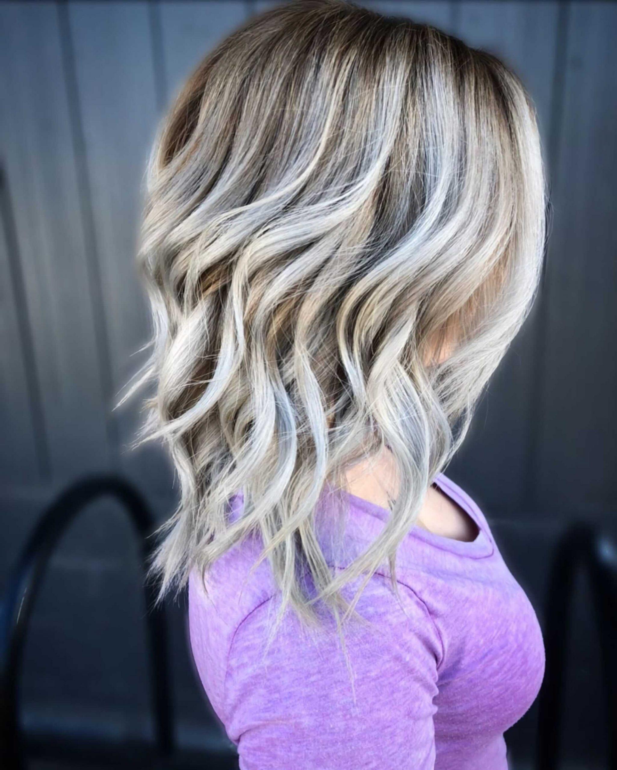 модный металлический балаяж на средние волосы