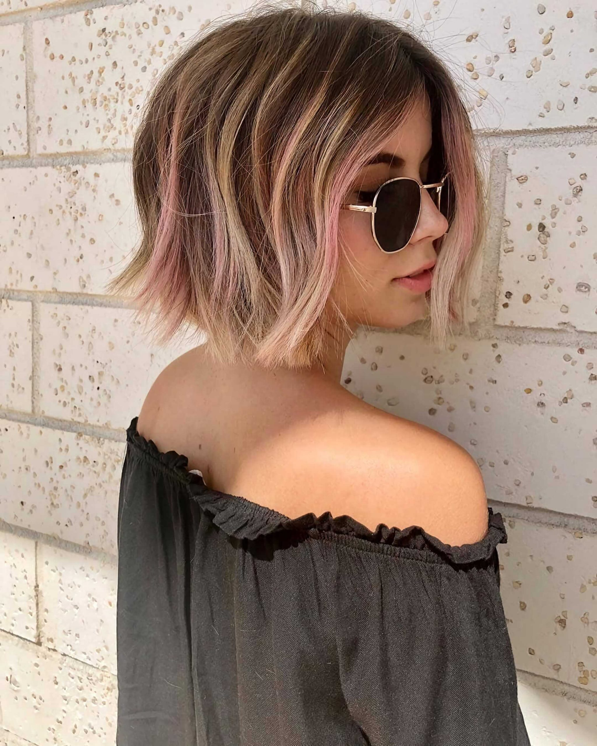 беспорядочный розовый боб каре на средние волосы