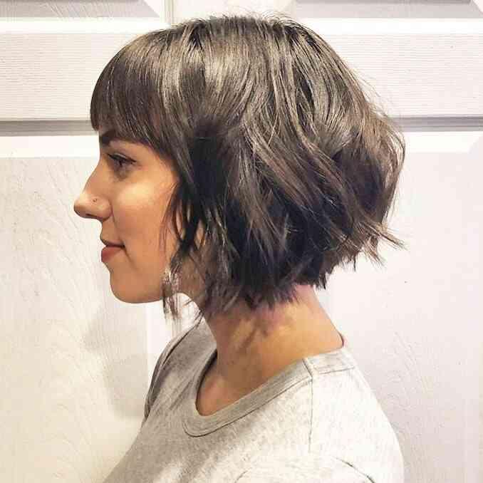 жіноча рвана зачіска