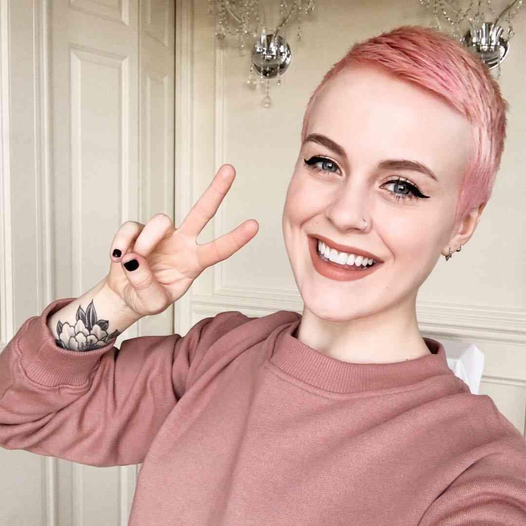 розовый короткий пикси