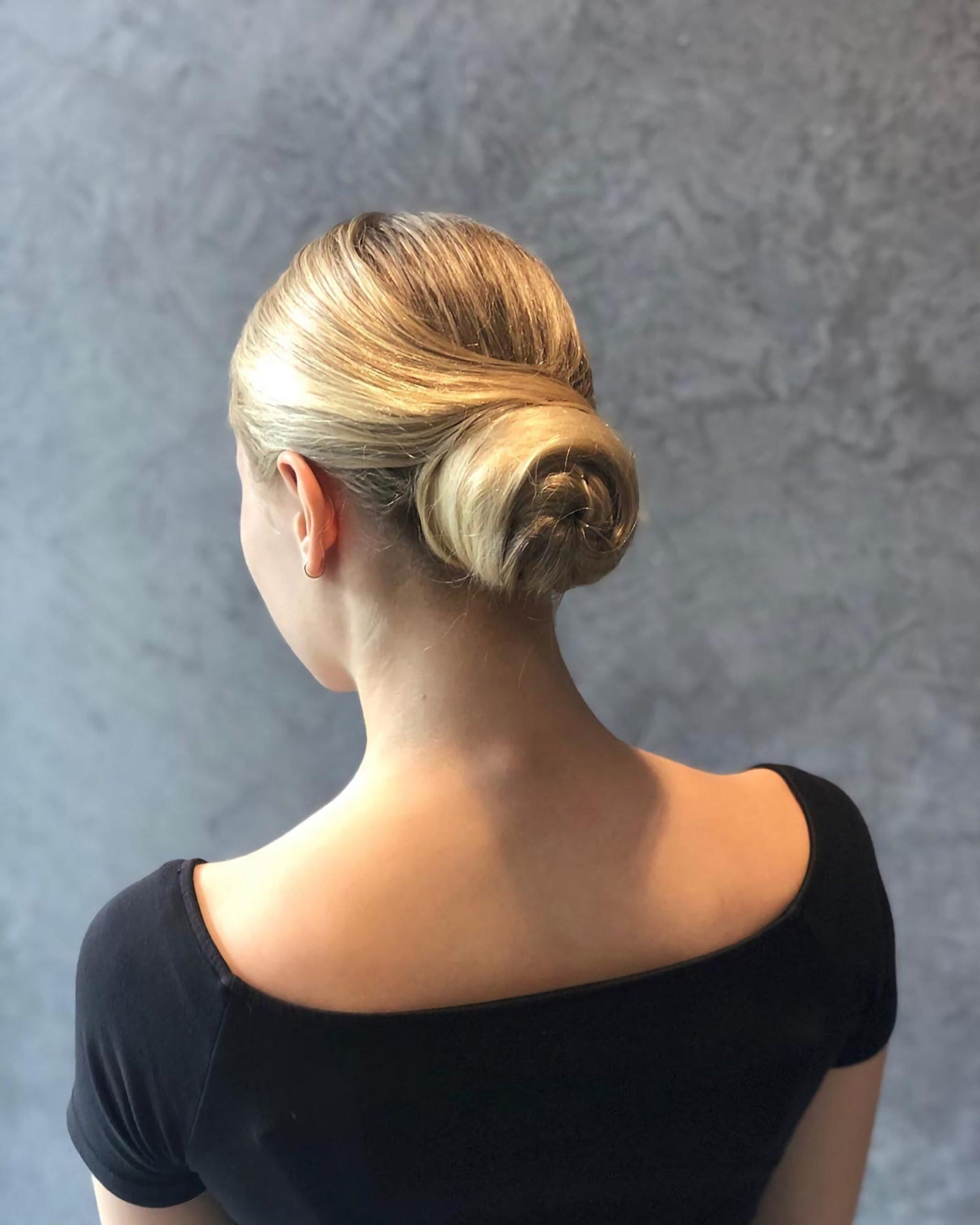 средние волосы с пучком