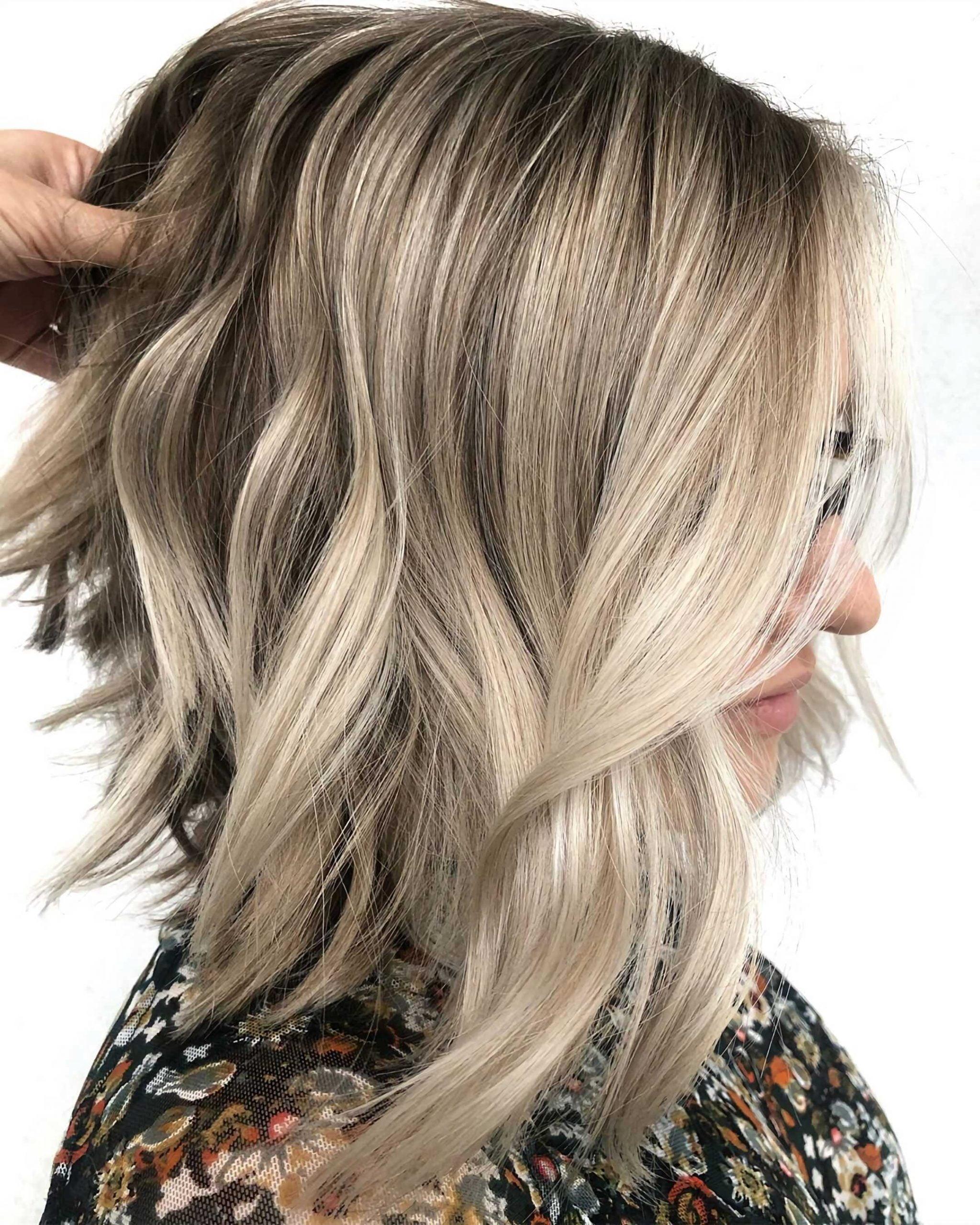 стильная стрижка на средние волосы