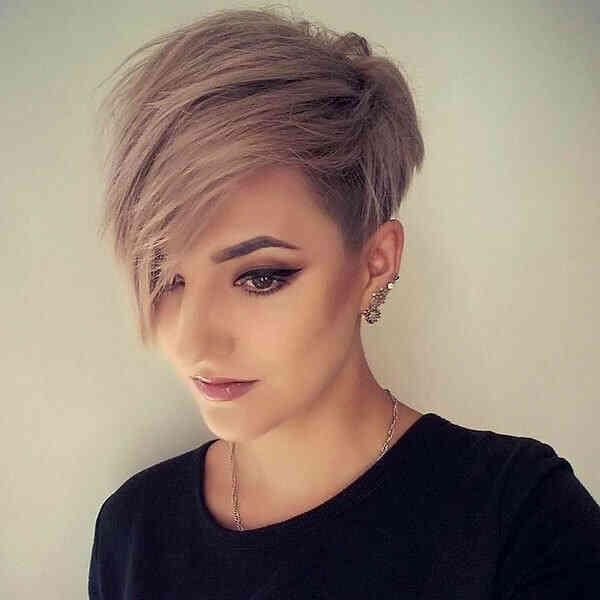 ассиметрична коротка зачіска
