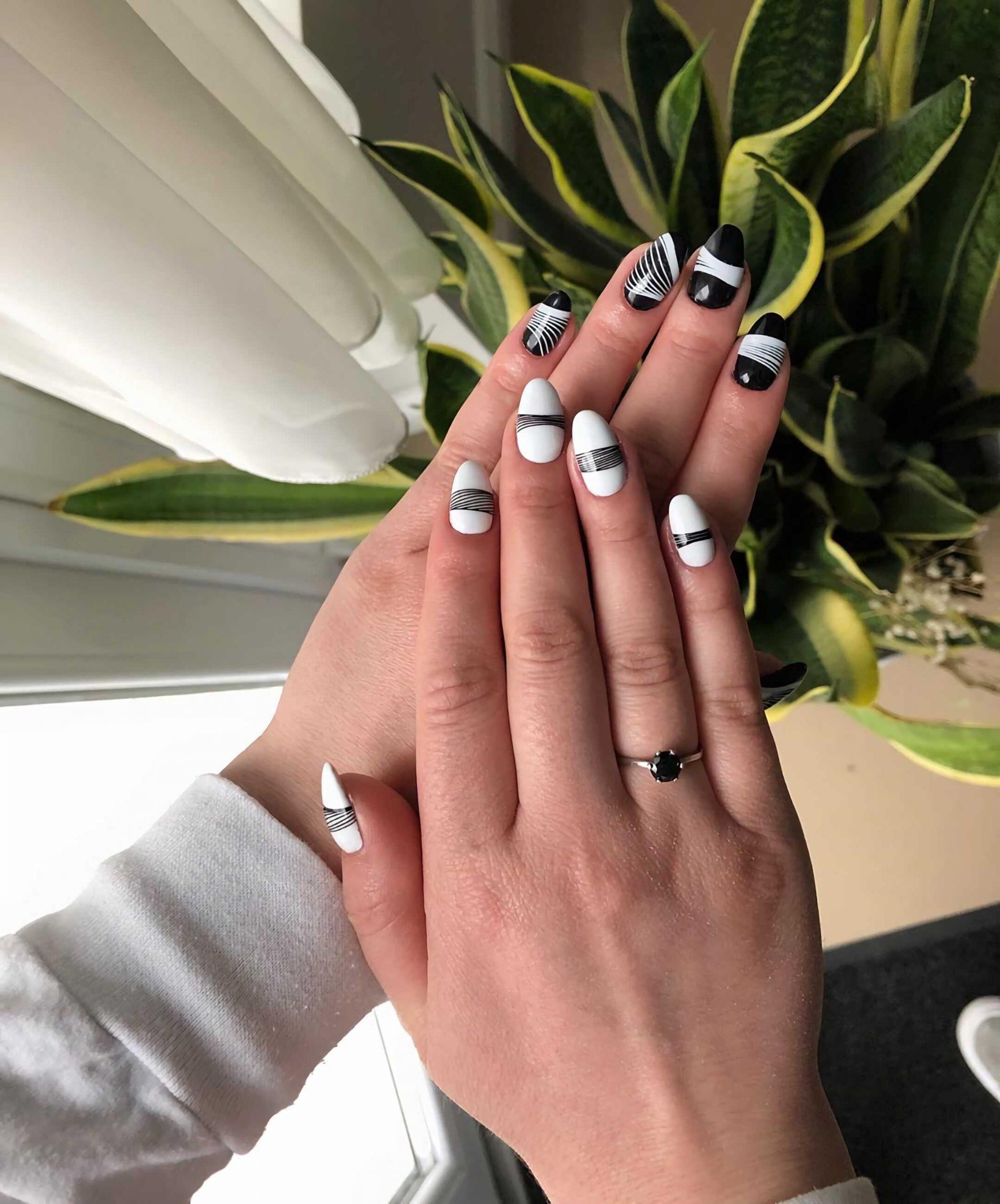 стильные черно-белые ногти