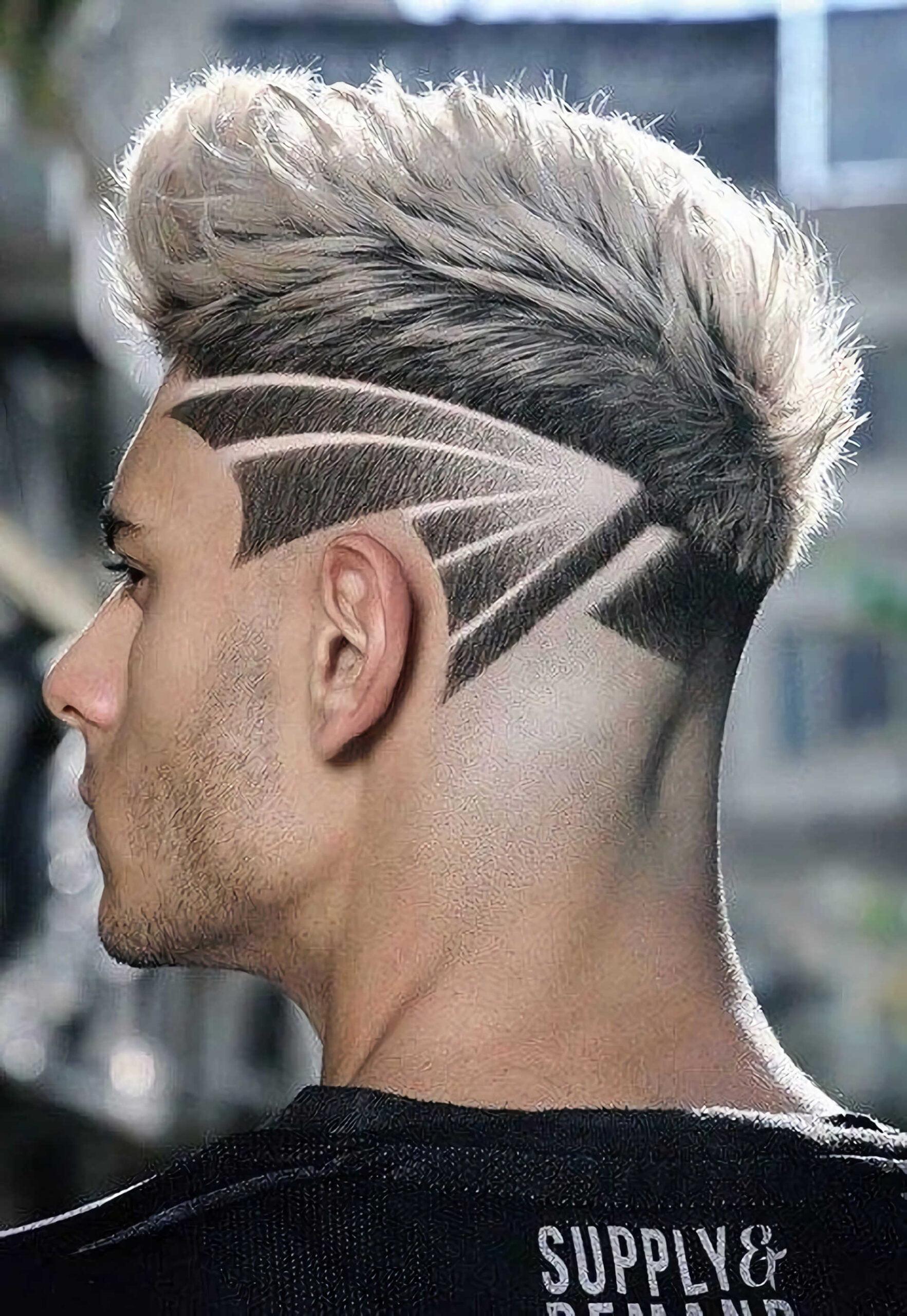 мужская стрижка с абстрактным дизайном волос
