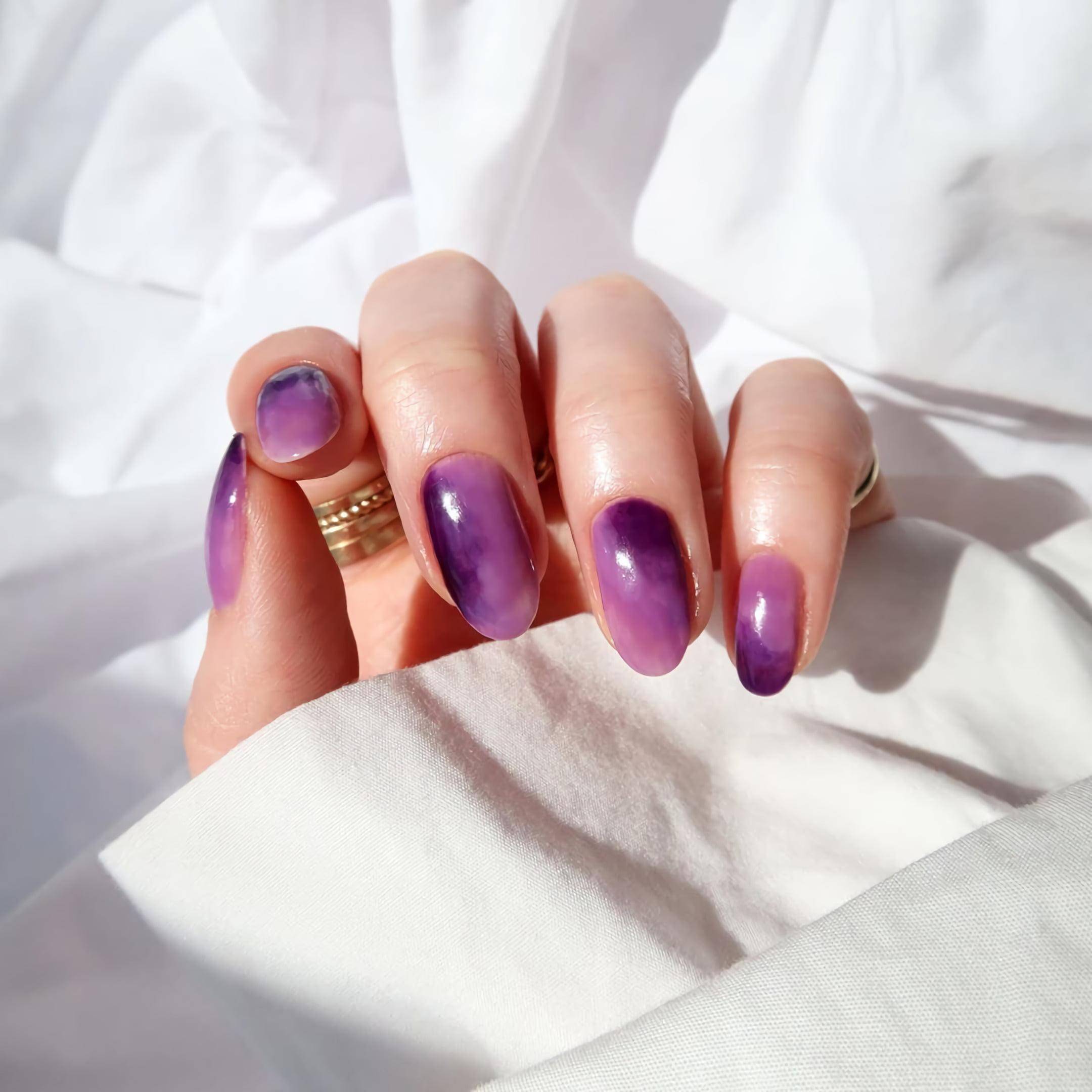 Осенние ногти в цвете аметист