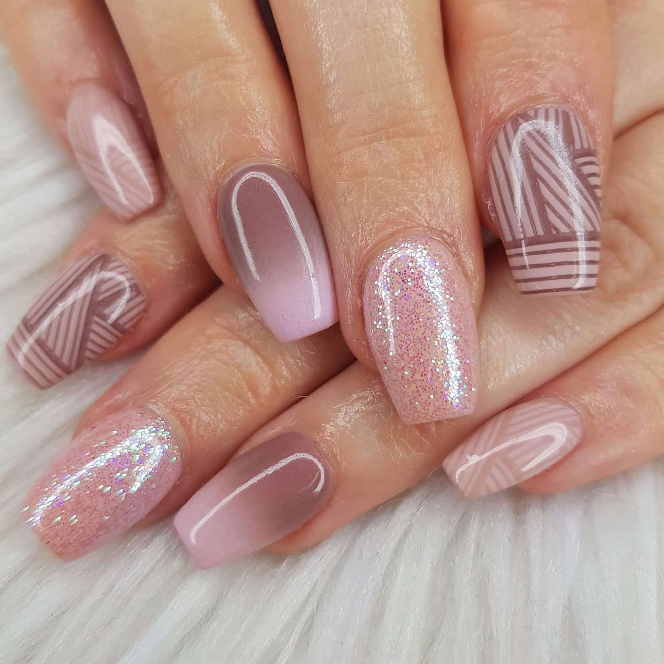 Милые идеи дизайна нюдовых ногтей