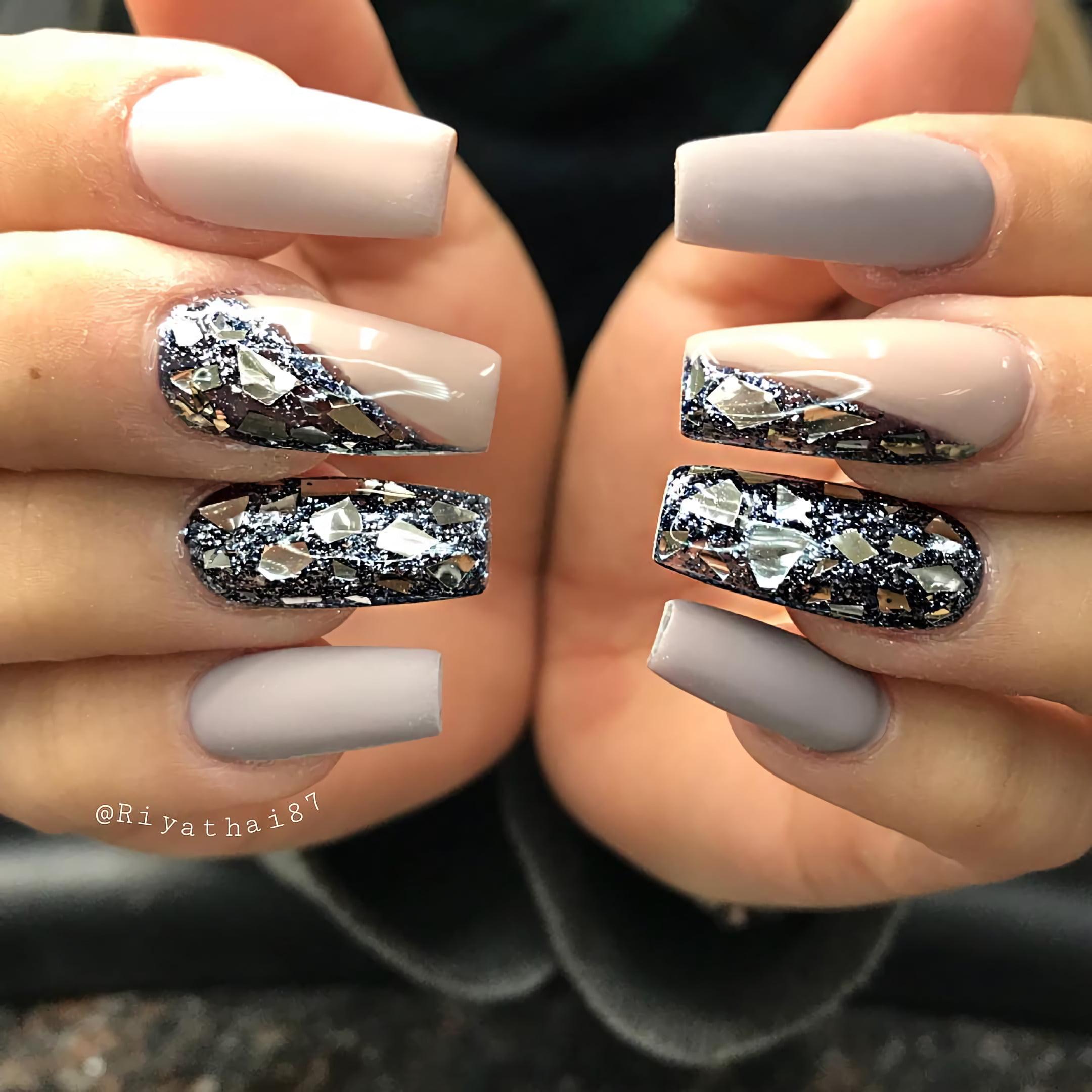 Гламурные и блестящие ногти для экстравагантной особы